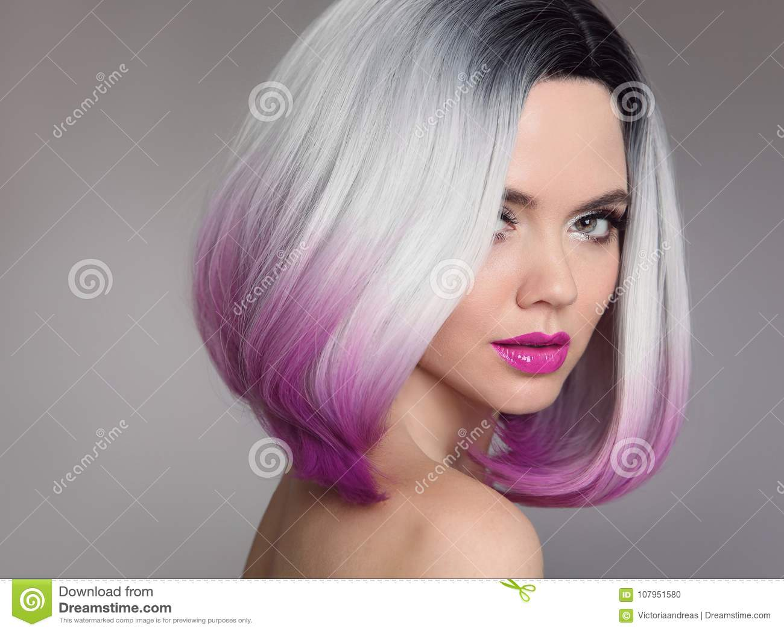 Kulöra Ombre hårförlängningar SkönhetmodellGirl blondin med sho