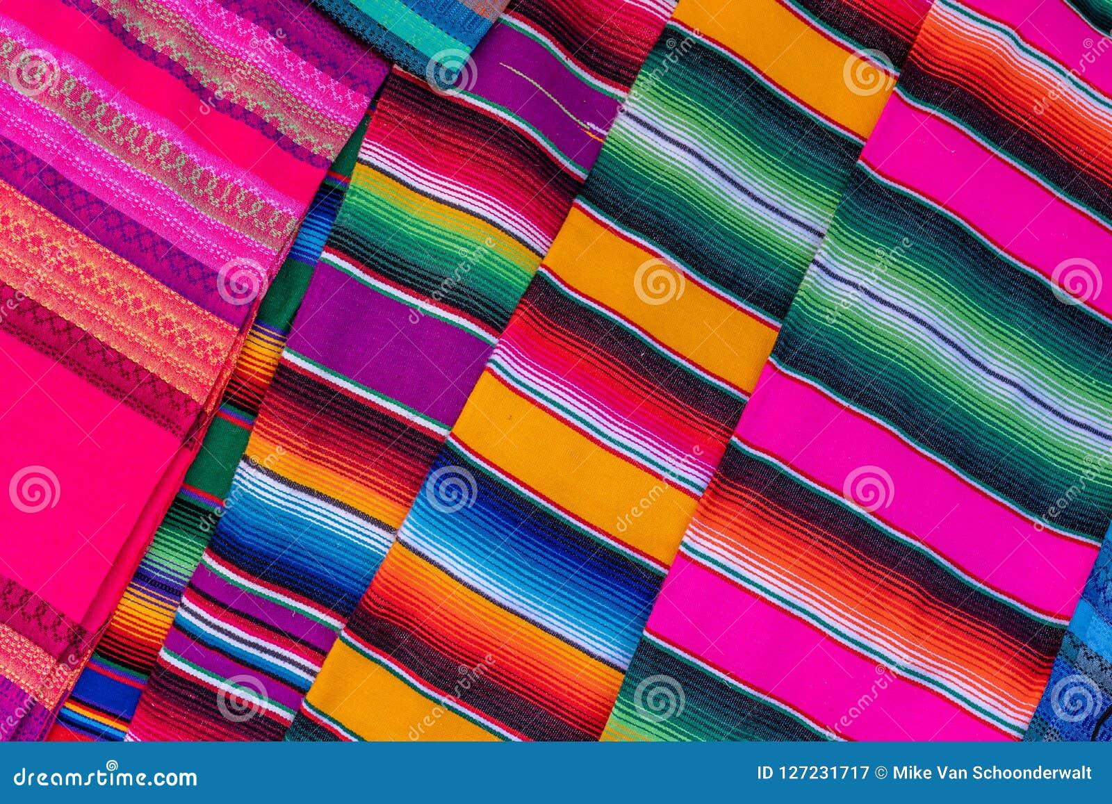 Kulört tyg från Peru