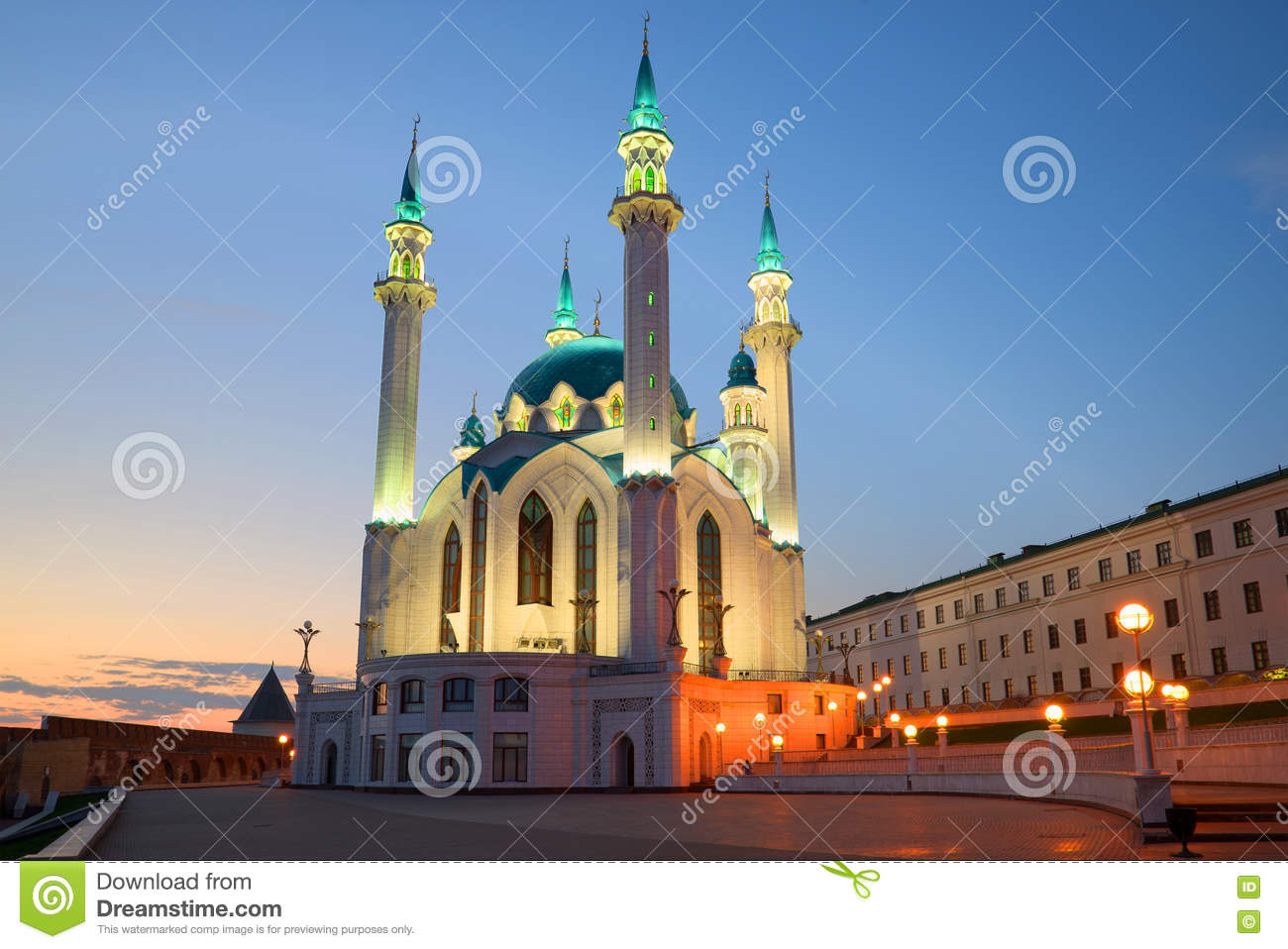kremlin muslim It's hard to get your head around it agents of the kremlin went far beyond merely posting messages and buying ads on facebook they fabricated a wh.