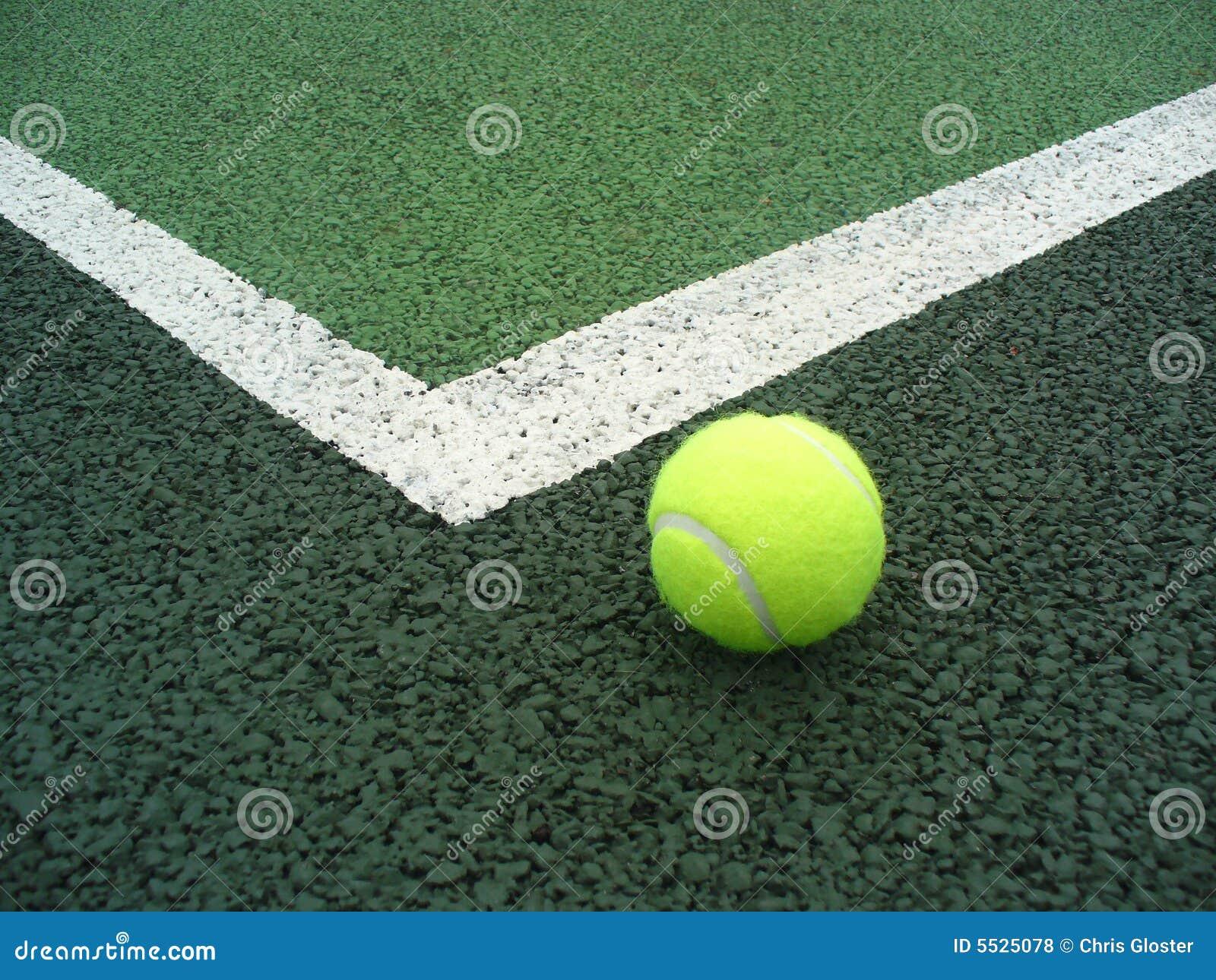 Kula tenis sądu