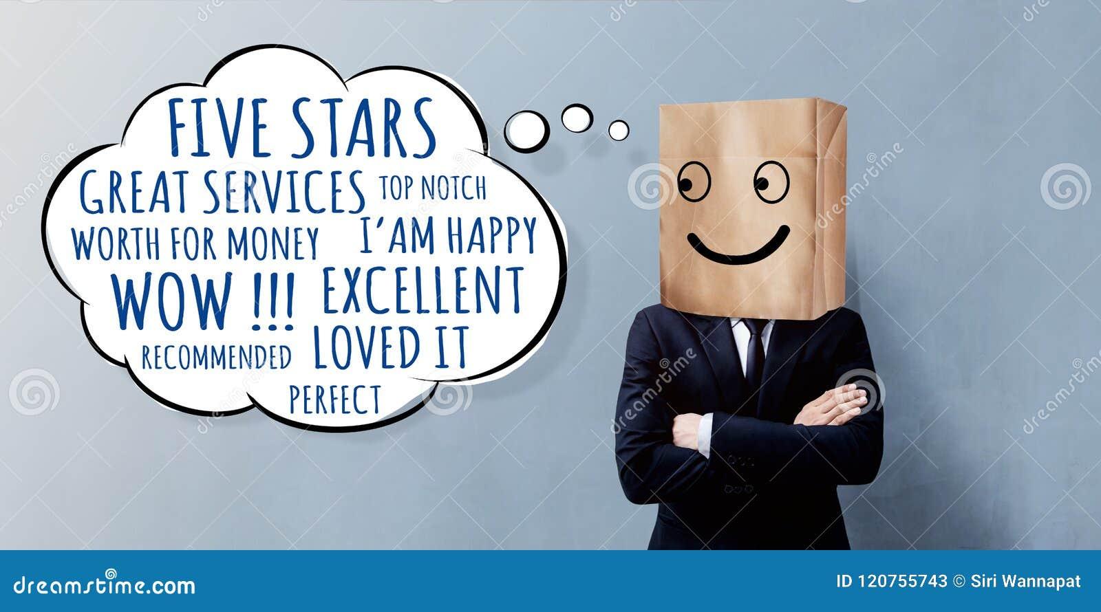 Kunderfarenhetsbegrepp Lycklig affärsman Client med leende