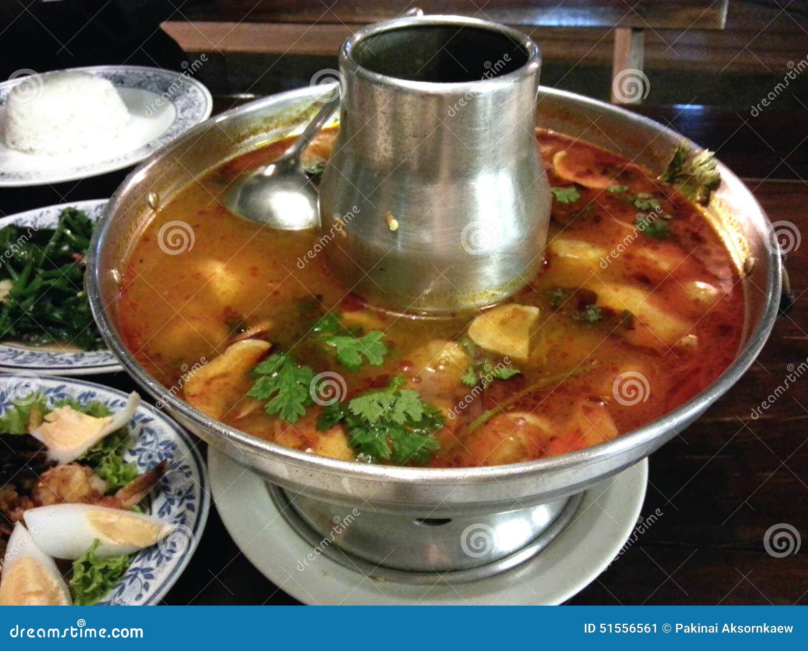 Kung tailandês de tom do alimento yum