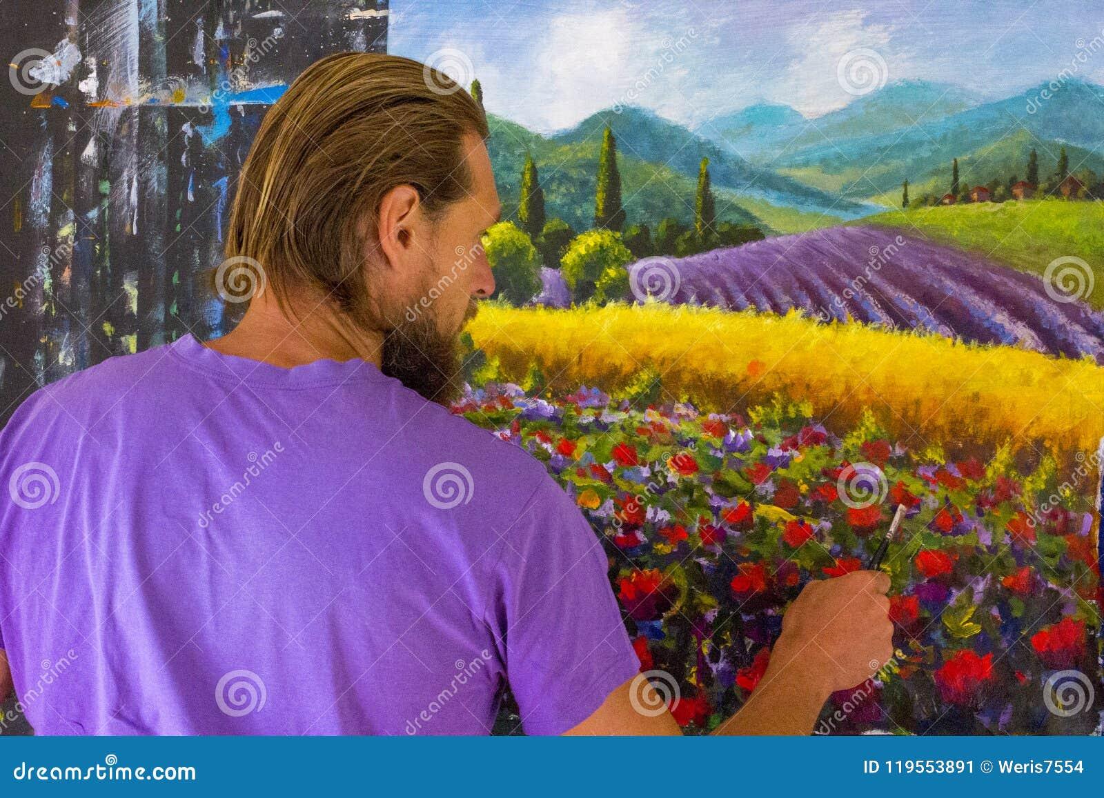 Kunst creatief proces De kunstenaar creeert het schilderen Italiaans de zomerplatteland toscanië Gebied van rode papavers, een ge