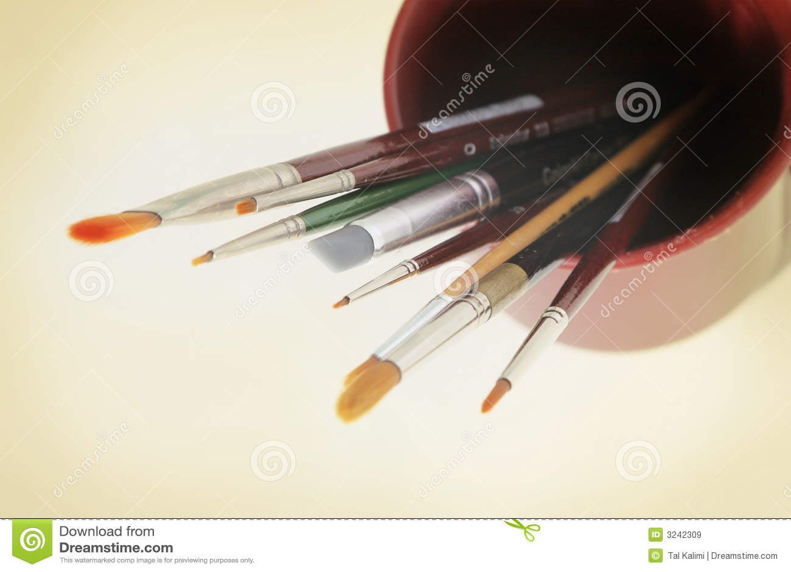 Kunsthilfsmittel - Pinsel