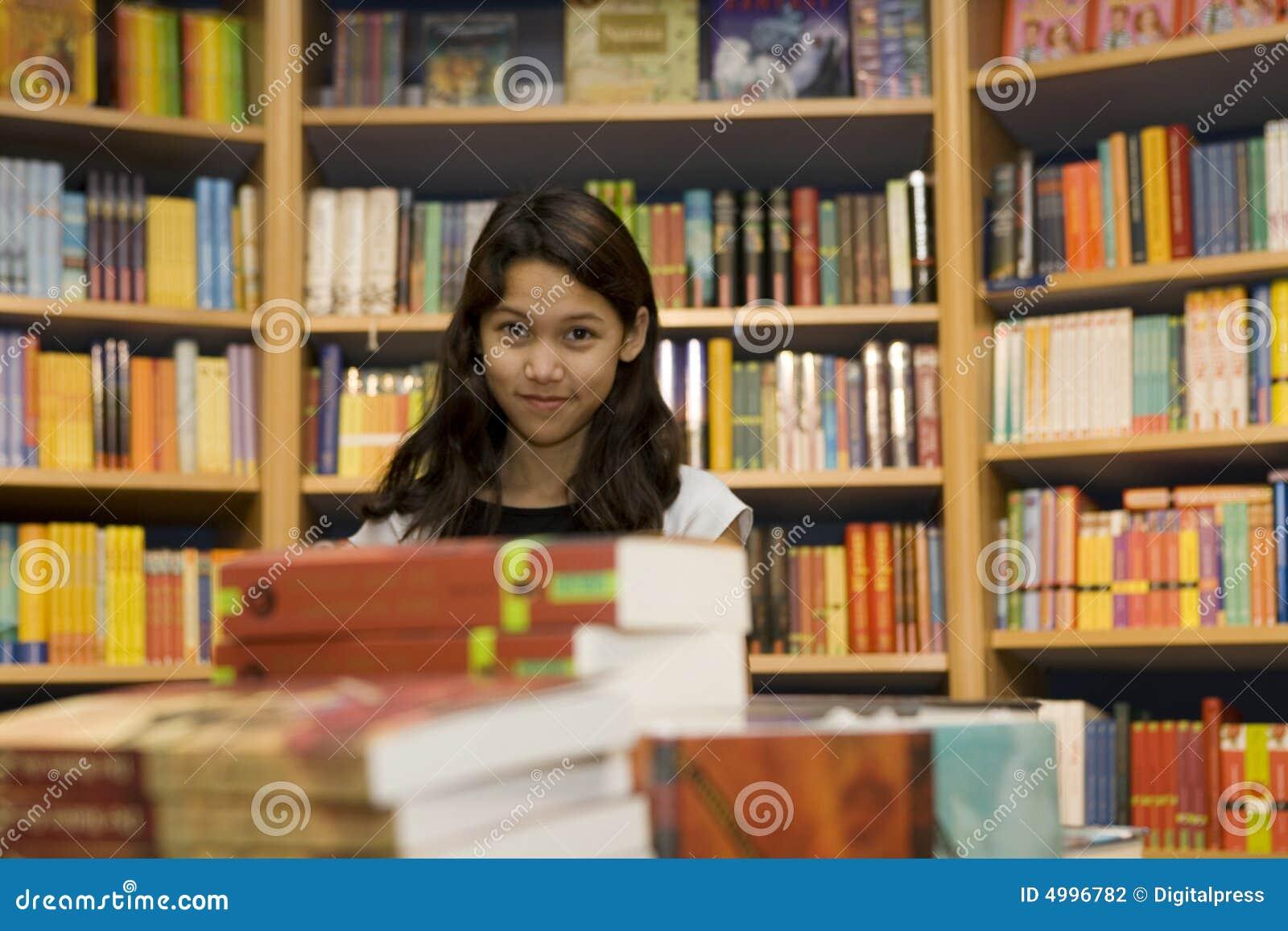 Kupują nastoletniego chcą książek
