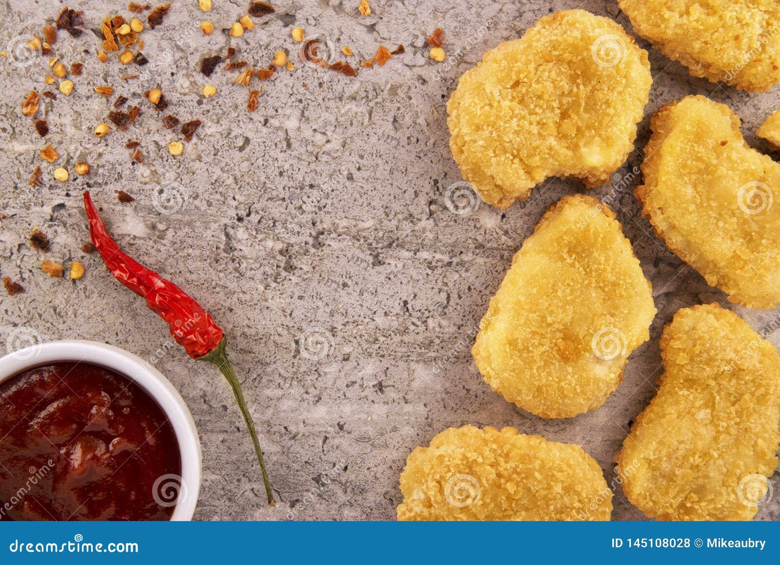 Kurczak bry?ki z gor?cym chili pieprzem i pucharem kumberland