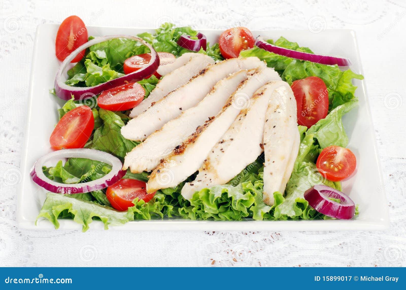 Kurczak piec na grillu półkowa sałatka