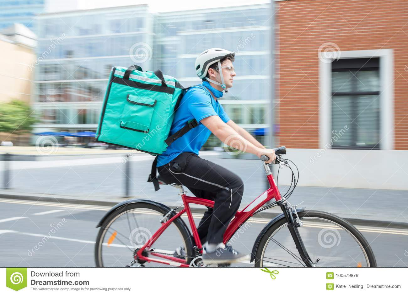 KurirOn Bicycle Delivering mat i stad