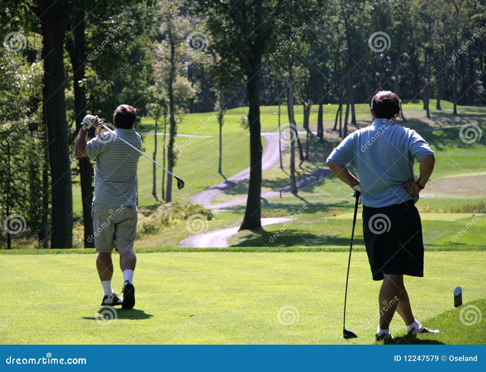 Kursowi golfowi golfiści dwa