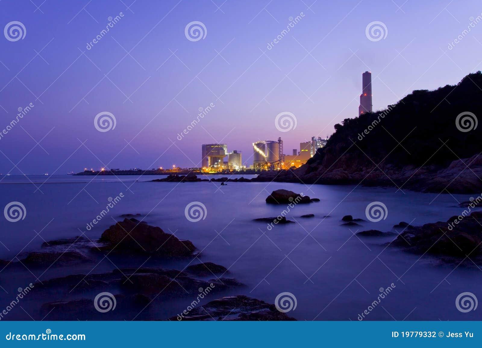 Kust Hong Kong över solnedgång