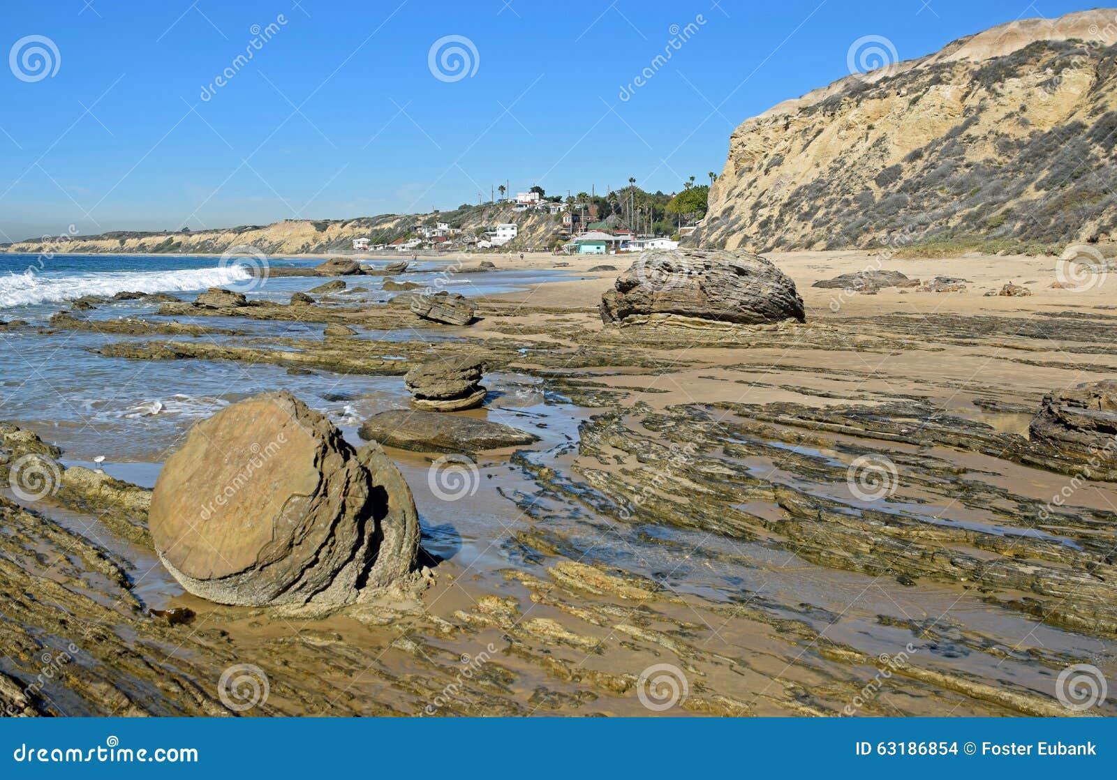 Kustlijn in Crystal Cove State Park, Zuidelijk Californië
