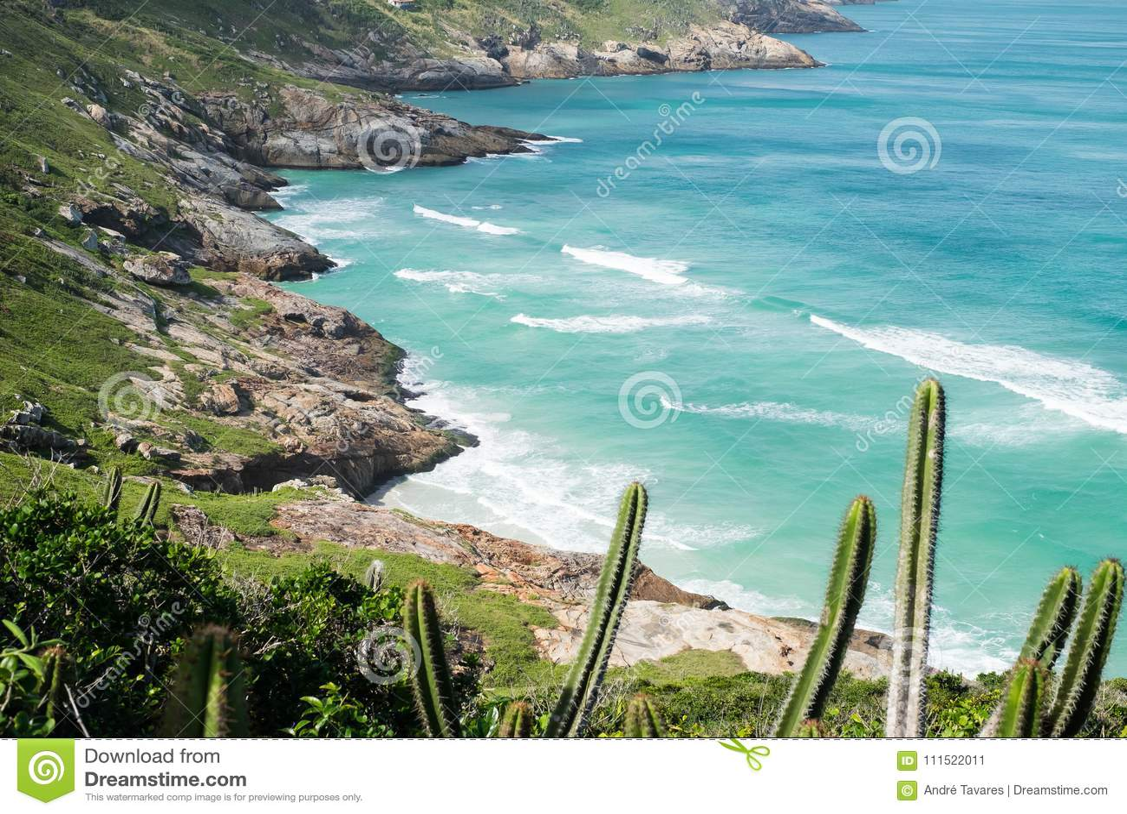Kustlijn van Arraial do Cabo, Rio de Janeiro, Brazilië