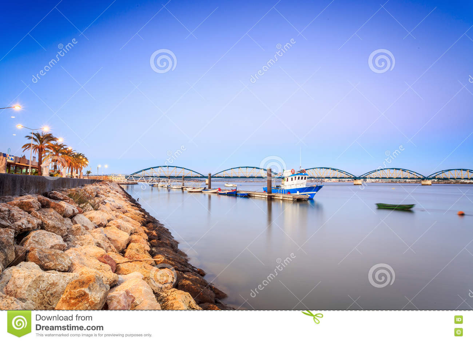 Kustlinje i Portimao, Algarve, Portugal