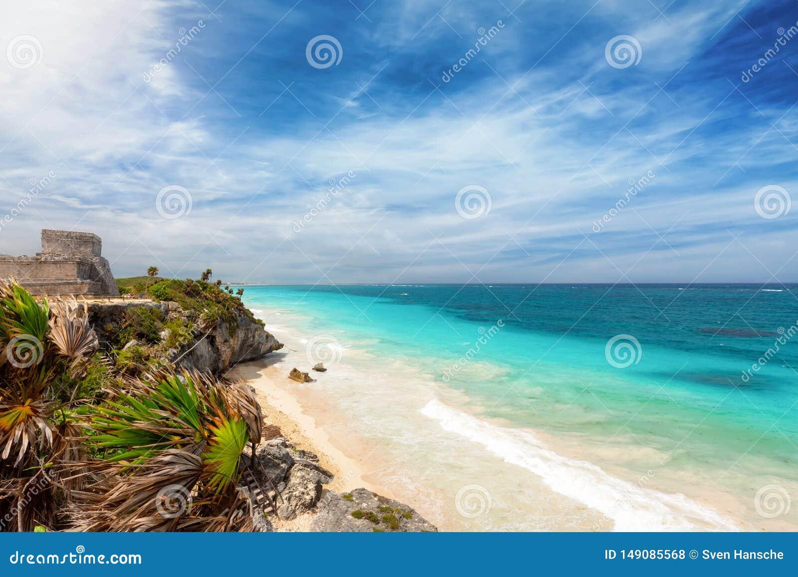 Kustlinjen av den Riviera mayaen i Tulum, Mexico