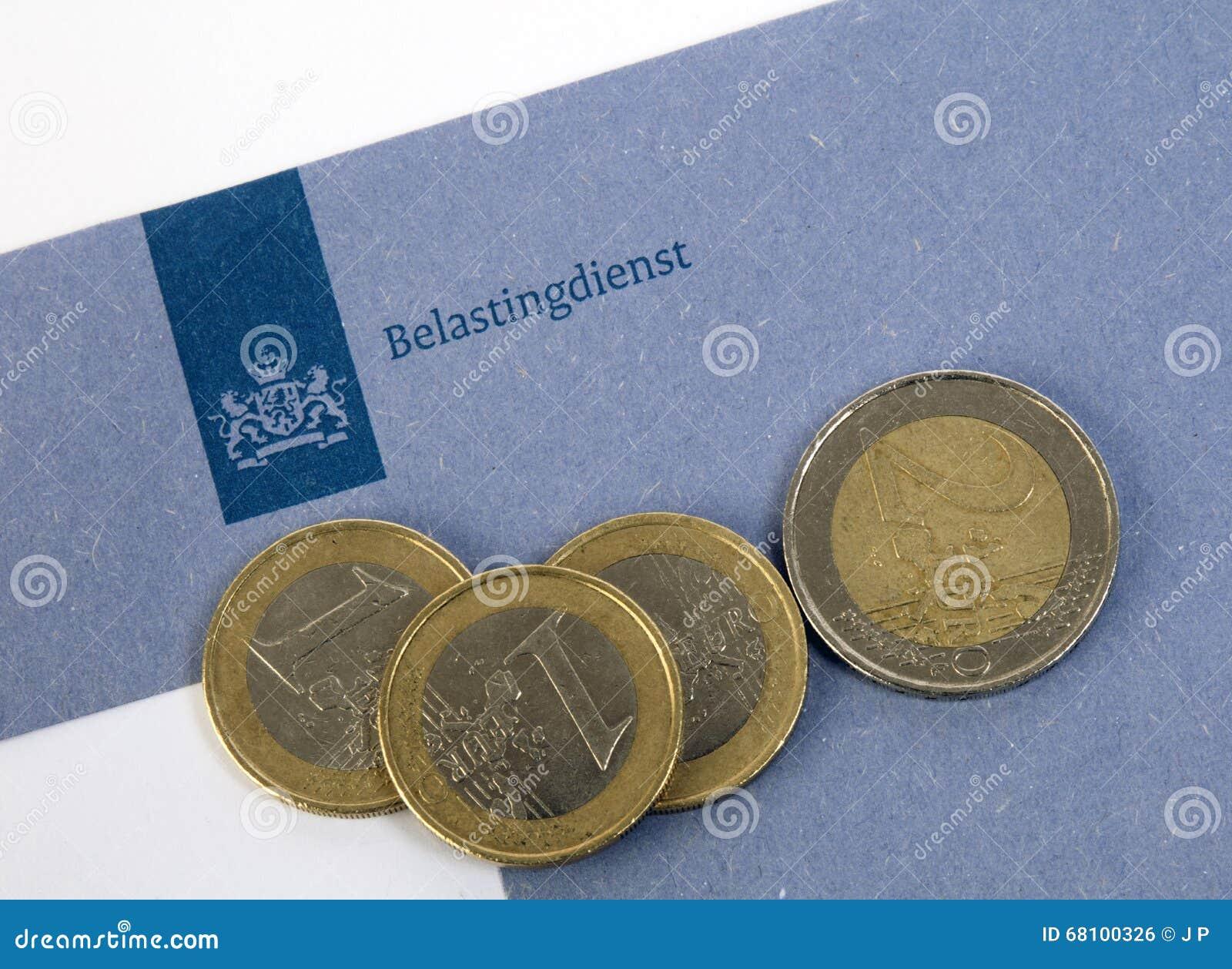 Kuvert för holländareblåttskatt av skattkontoret med euromynt