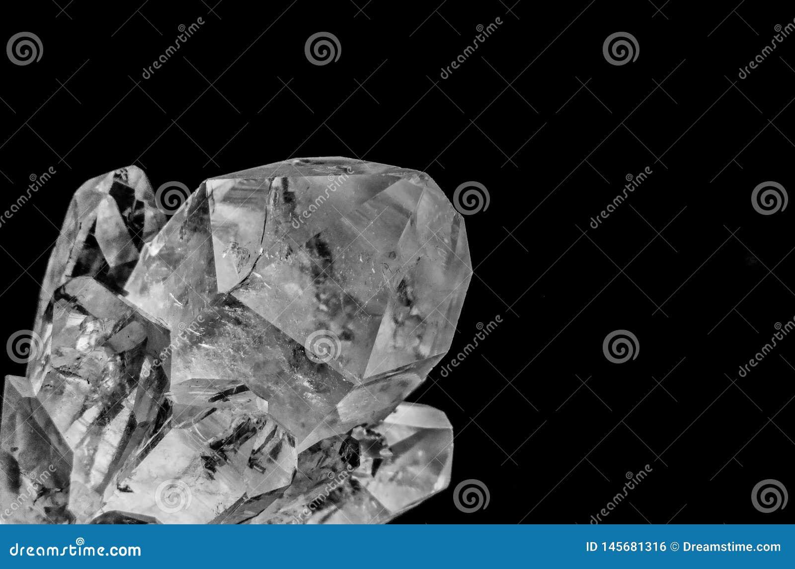 Kvartar kristall med makrolense