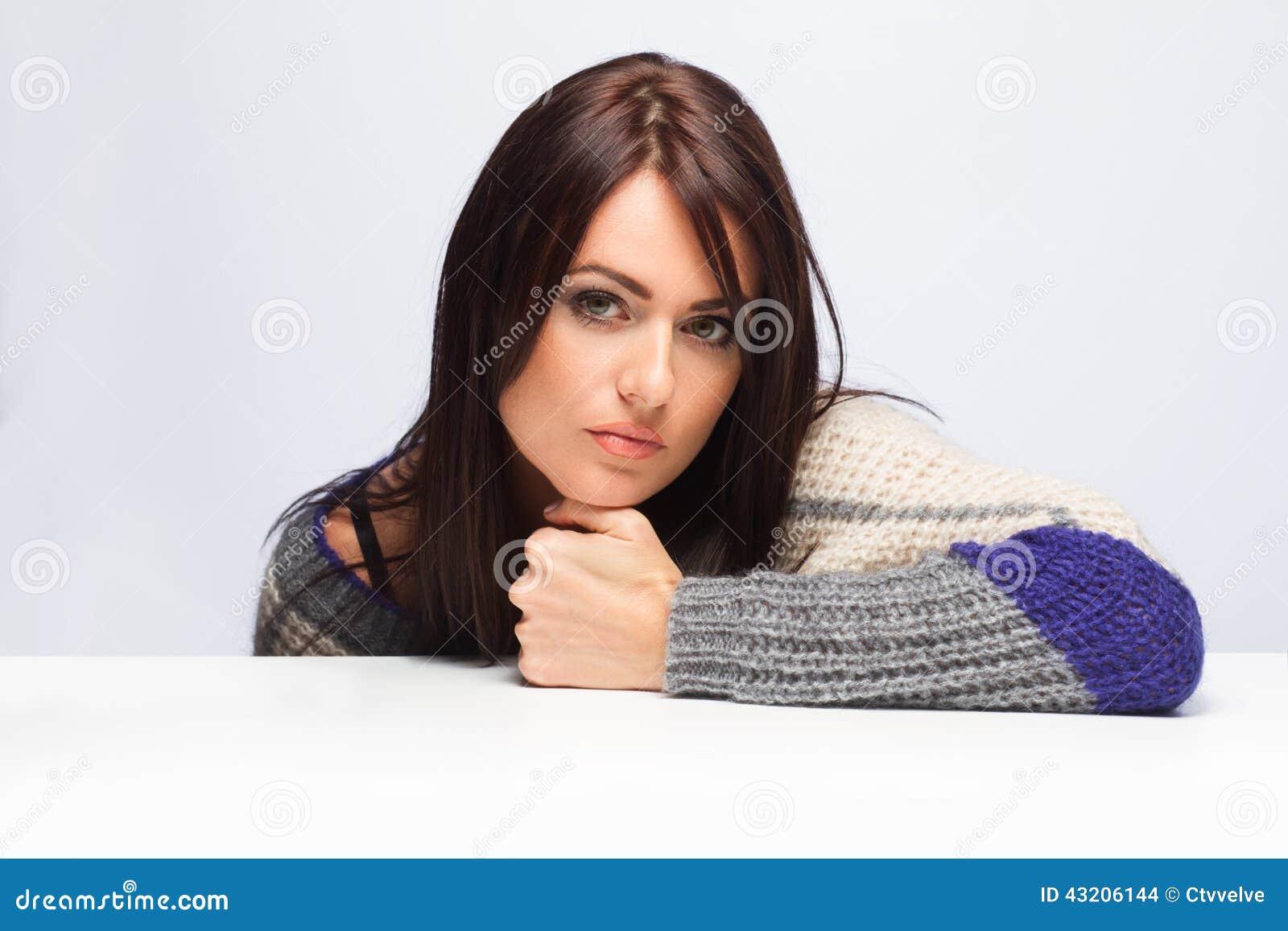 Download Kvinna arkivfoto. Bild av elegantt, isolerat, naturligt - 43206144