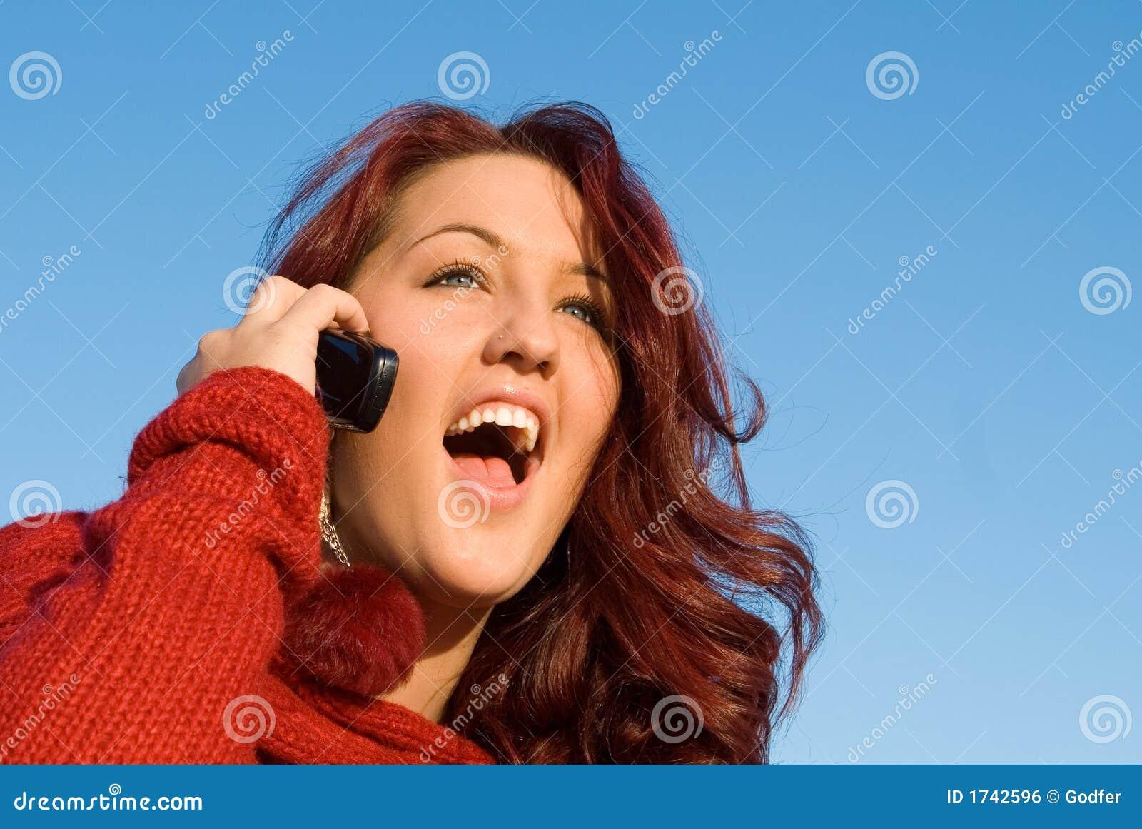 Kvinna för celltelefon