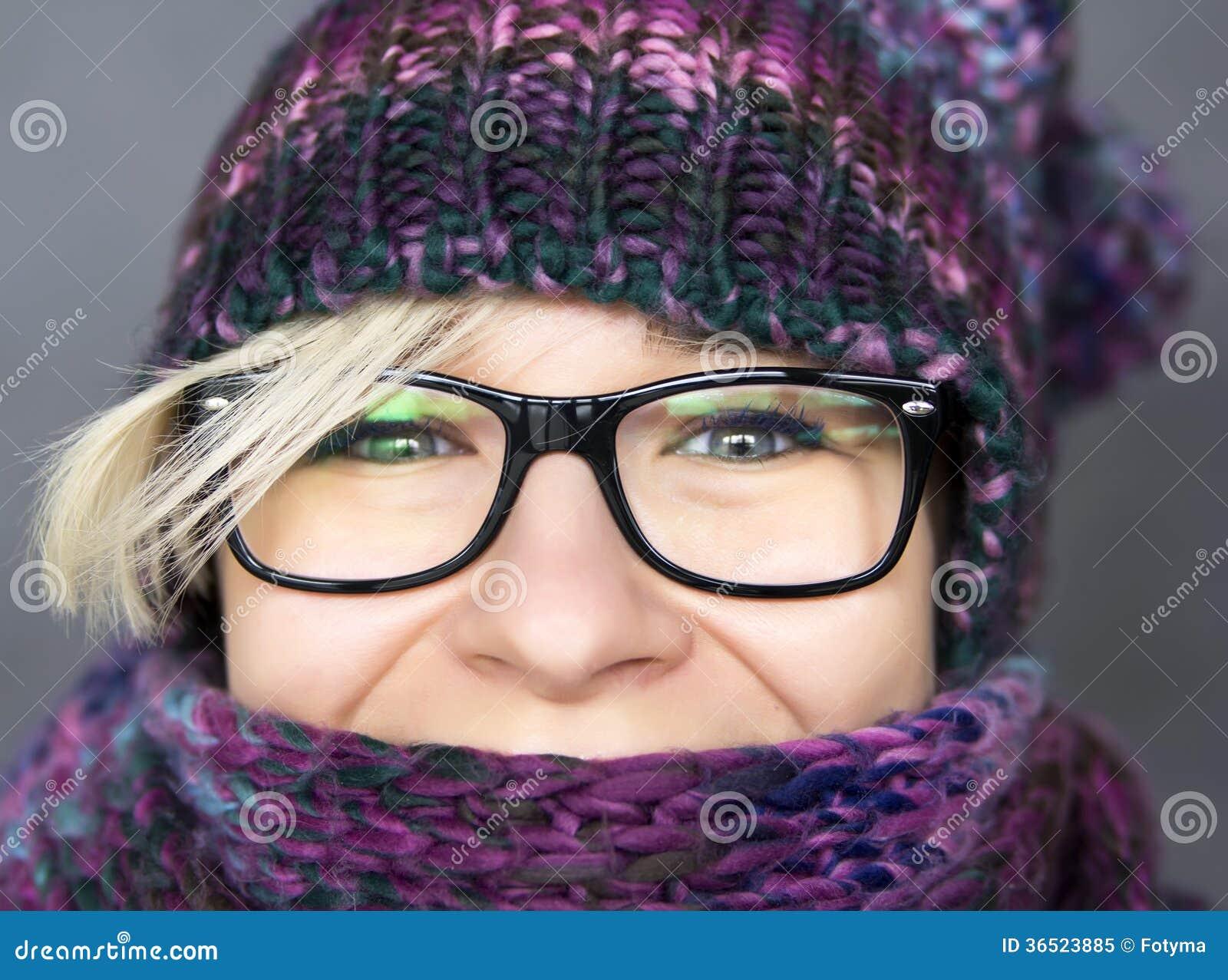 Kvinna i halsduk