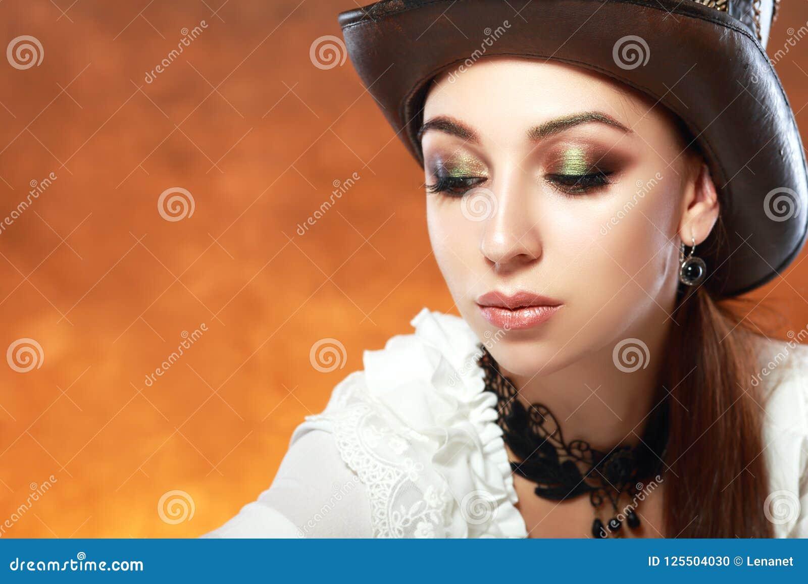 Kvinna i läderhatt
