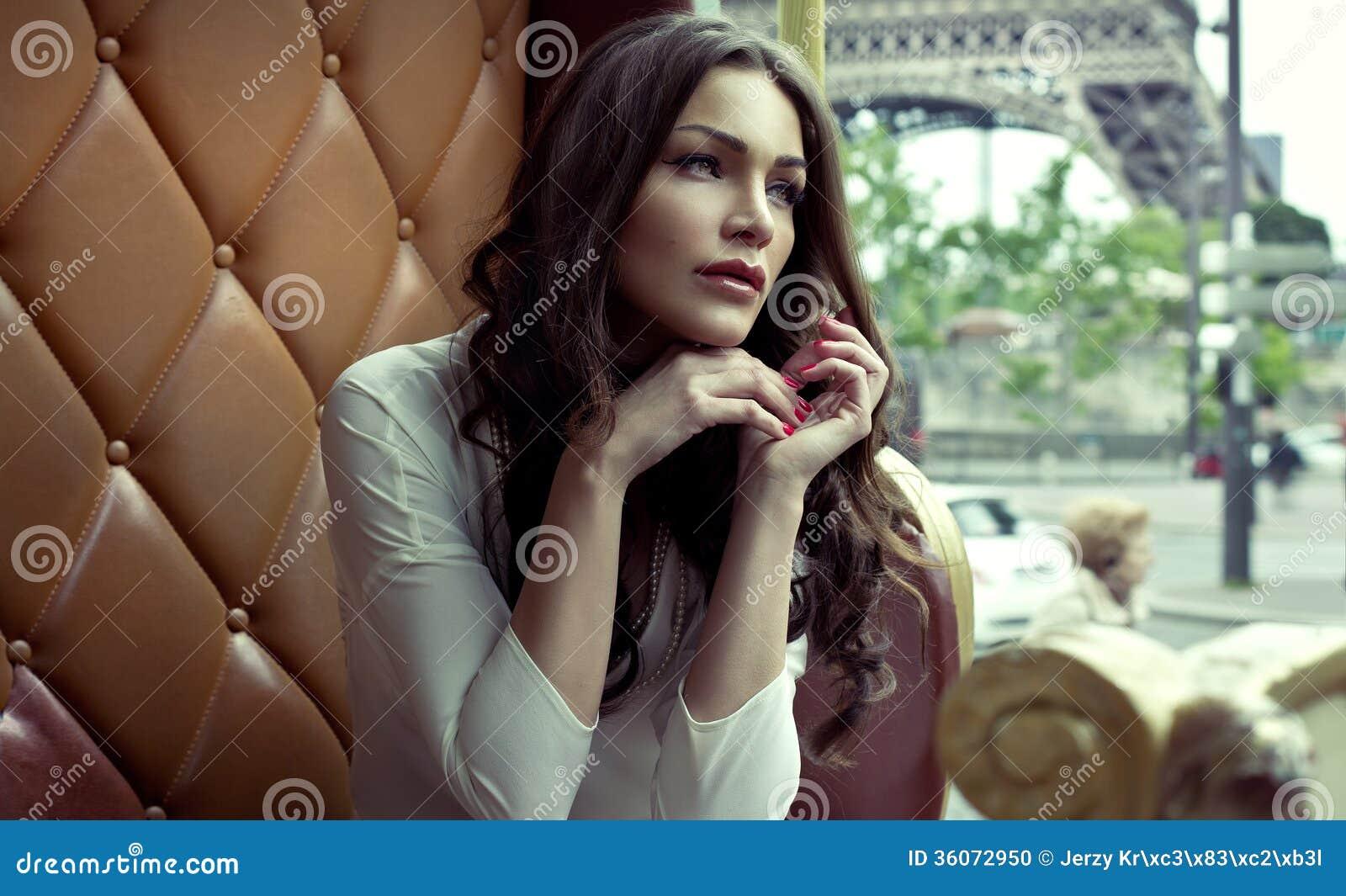 Kvinna i Paris
