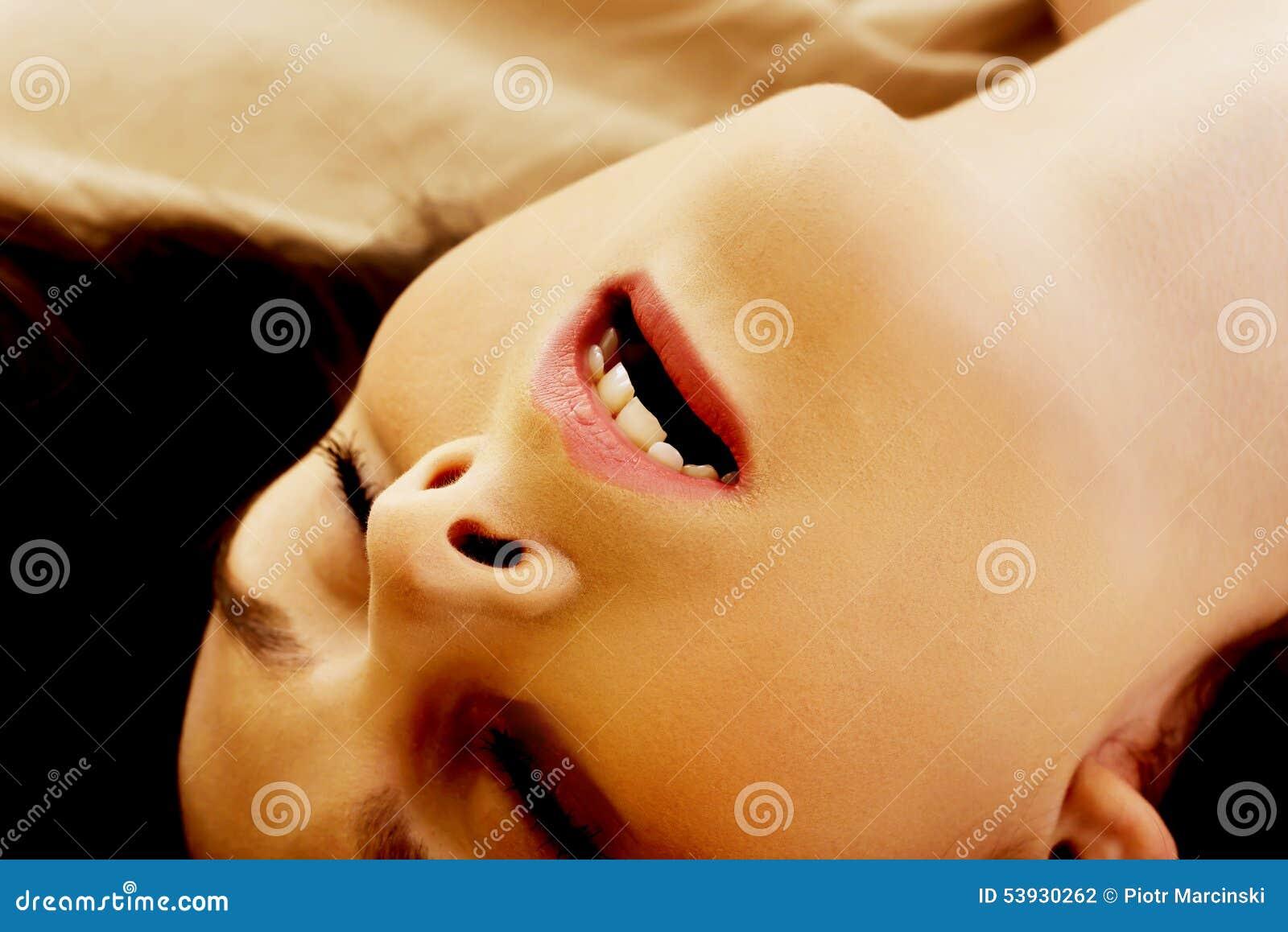 orgasm ansikte ung