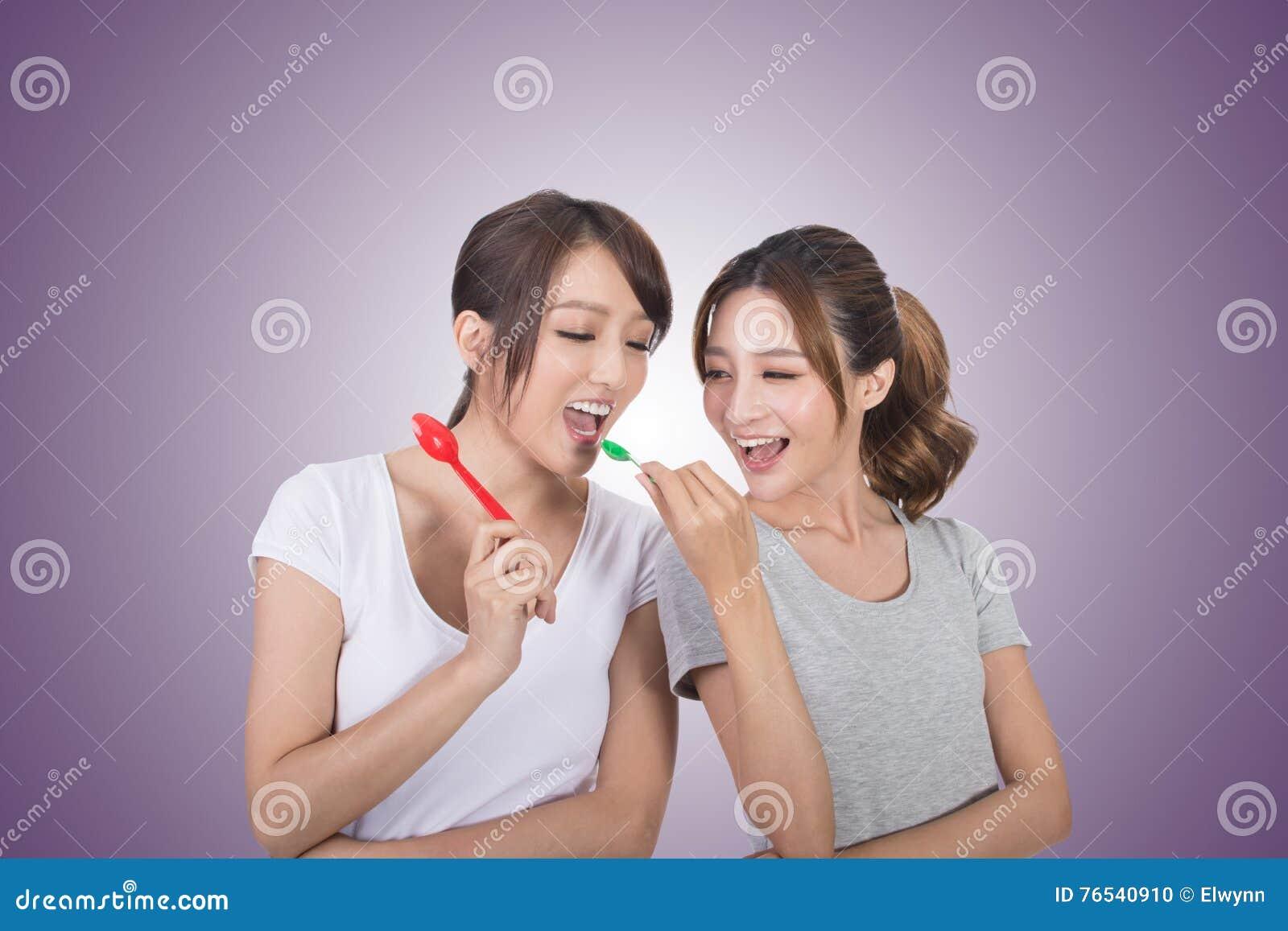 Kvinna med hennes vän