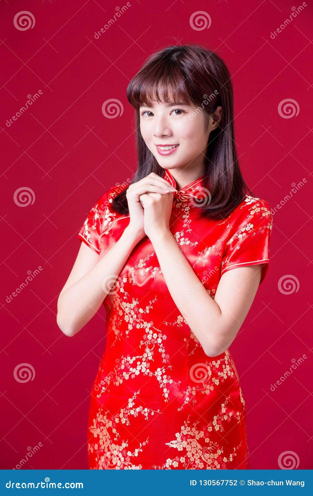 Kvinna med kinesiskt nytt år