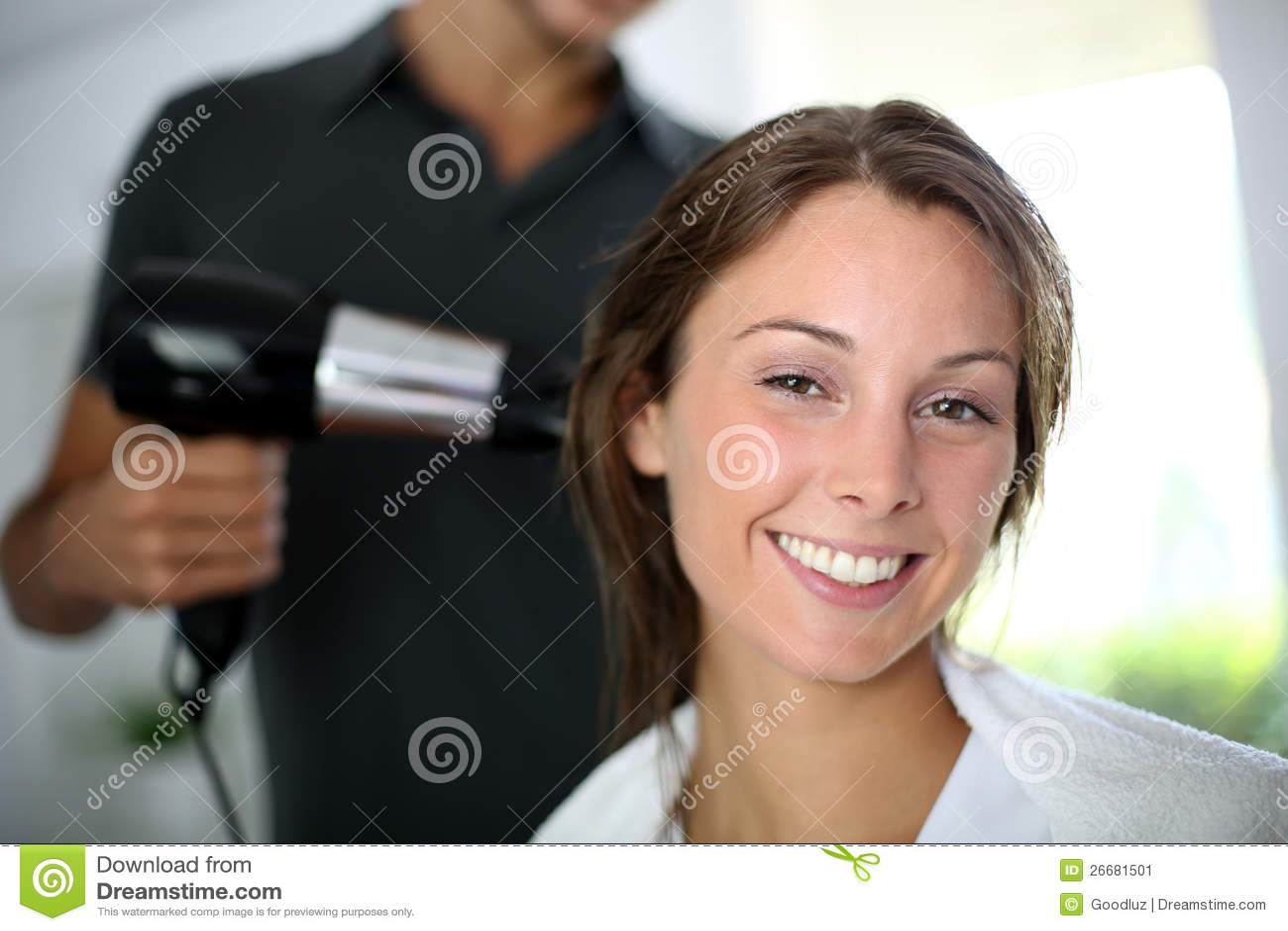 Kvinna på hårsalongen