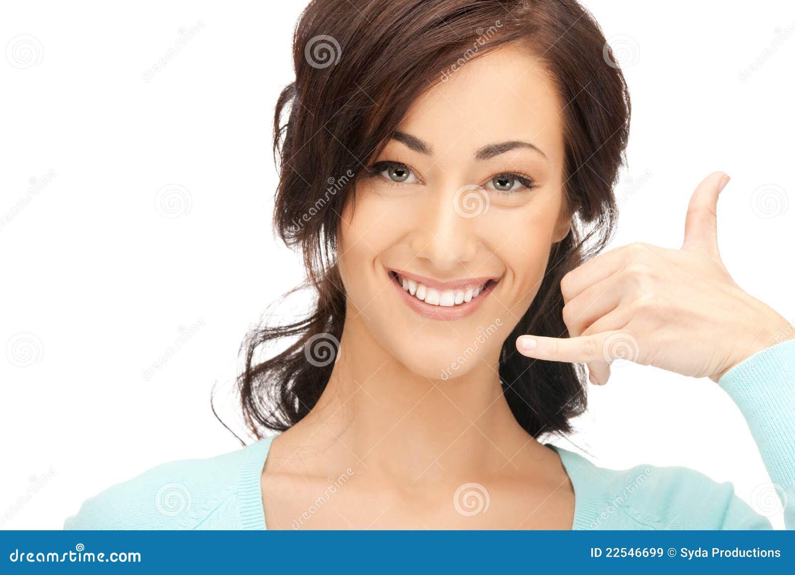 Kvinna som gör ett felanmälan mig gest
