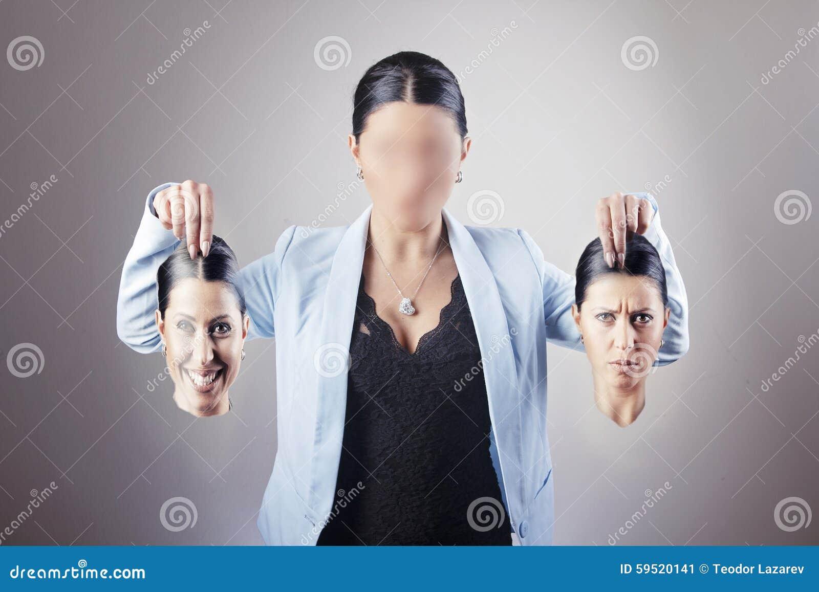 Kvinna som väljer identitet