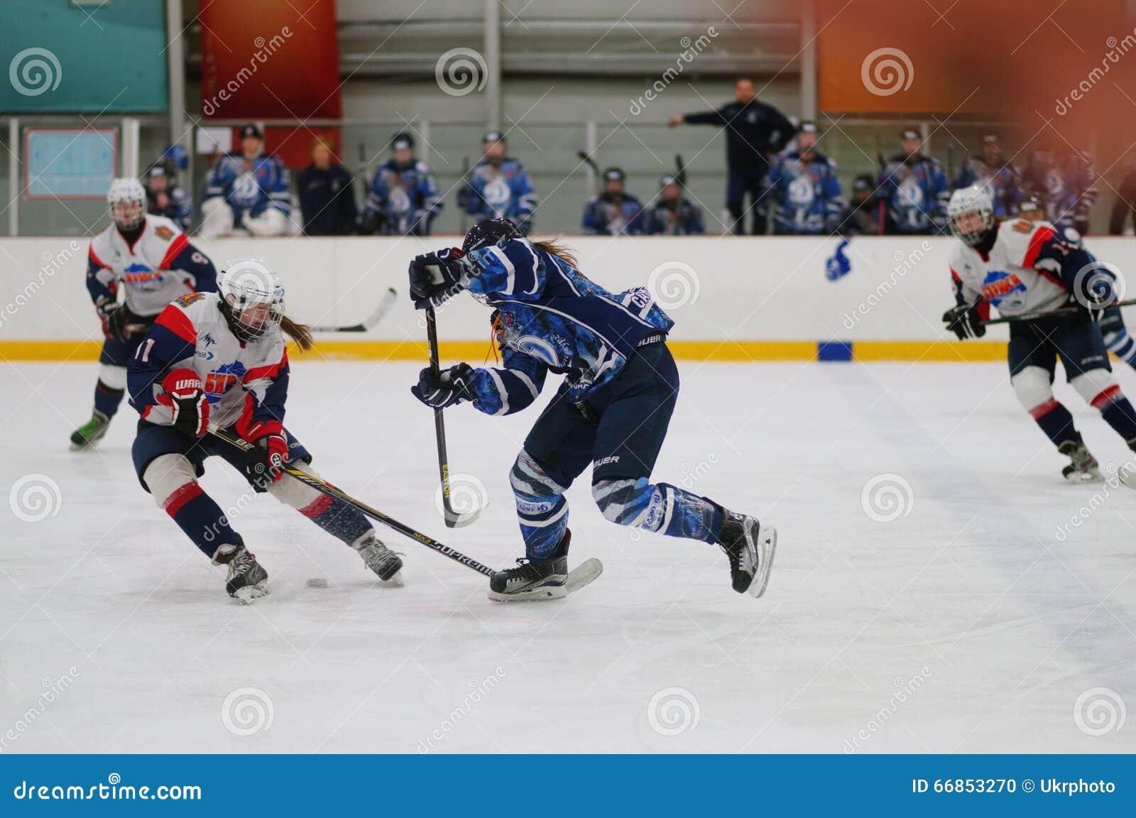 Kvinnaishockeymatch Dinamo St Petersburg vs Biryusa Krasnoyarsk