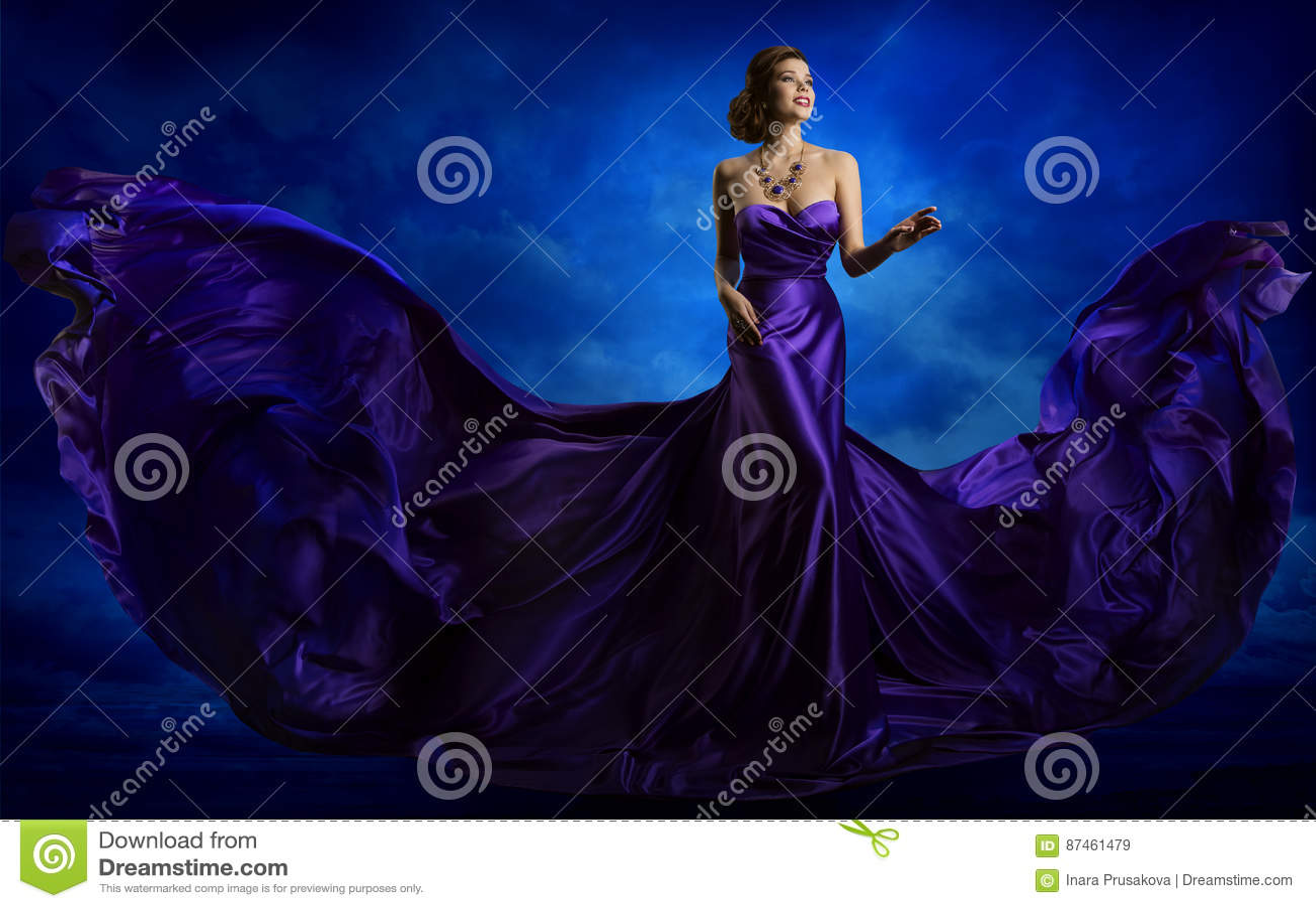 Kvinnamodeklänning, blått Art Gown Flying Waving Silk tyg