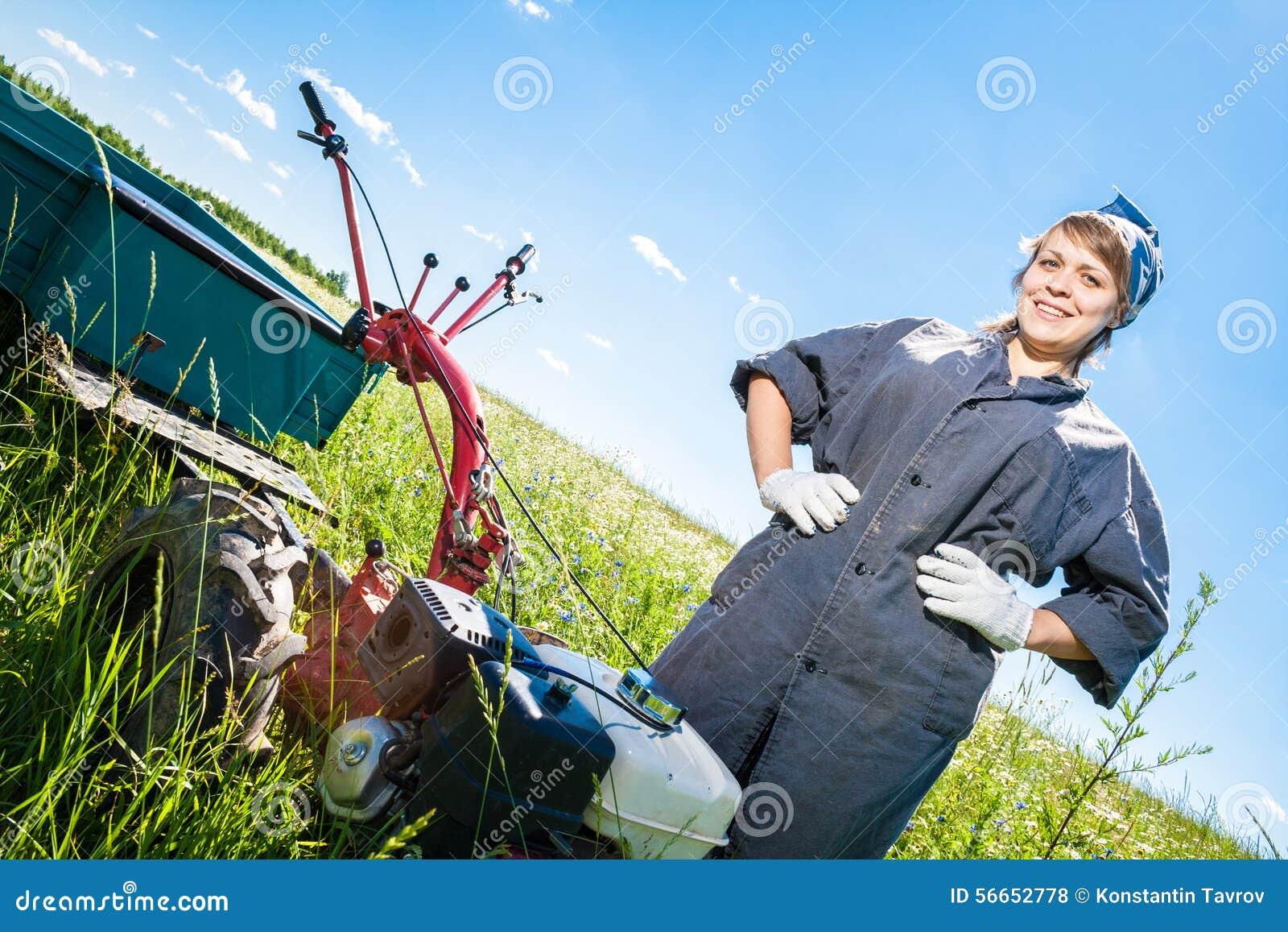 Kvinnan kontrollerar rorkulten