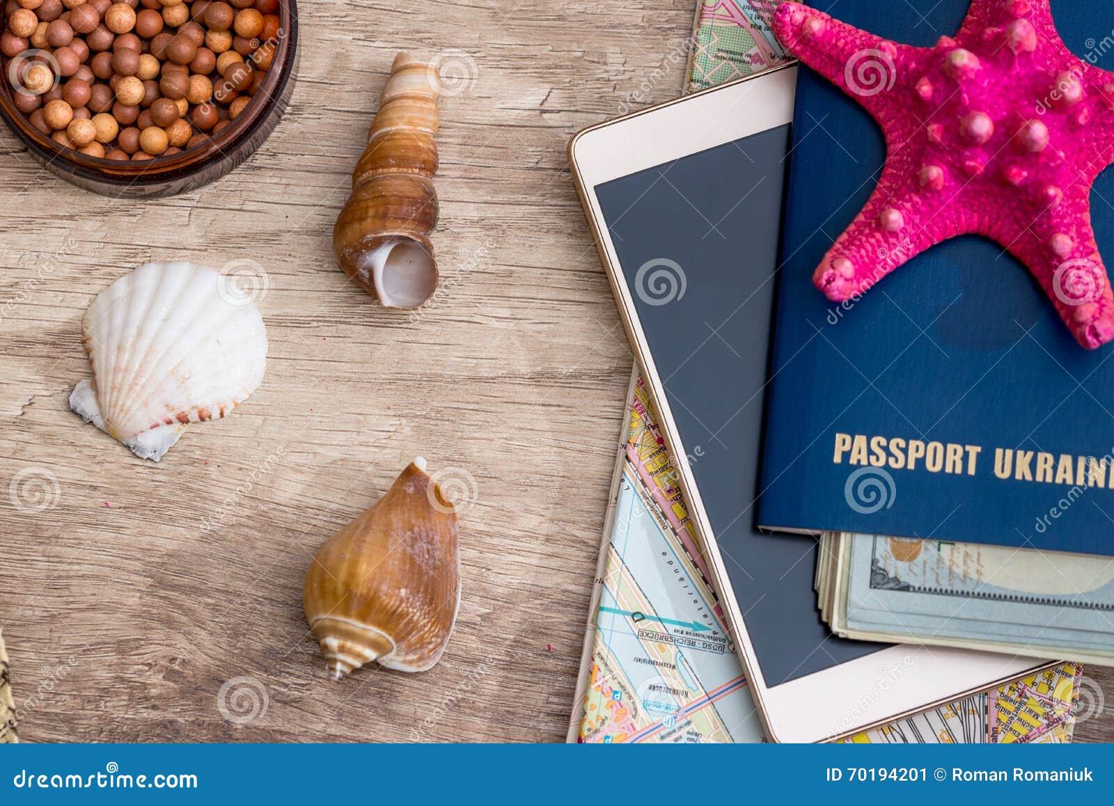 Kvinnatillbehör och objekt för semestrar