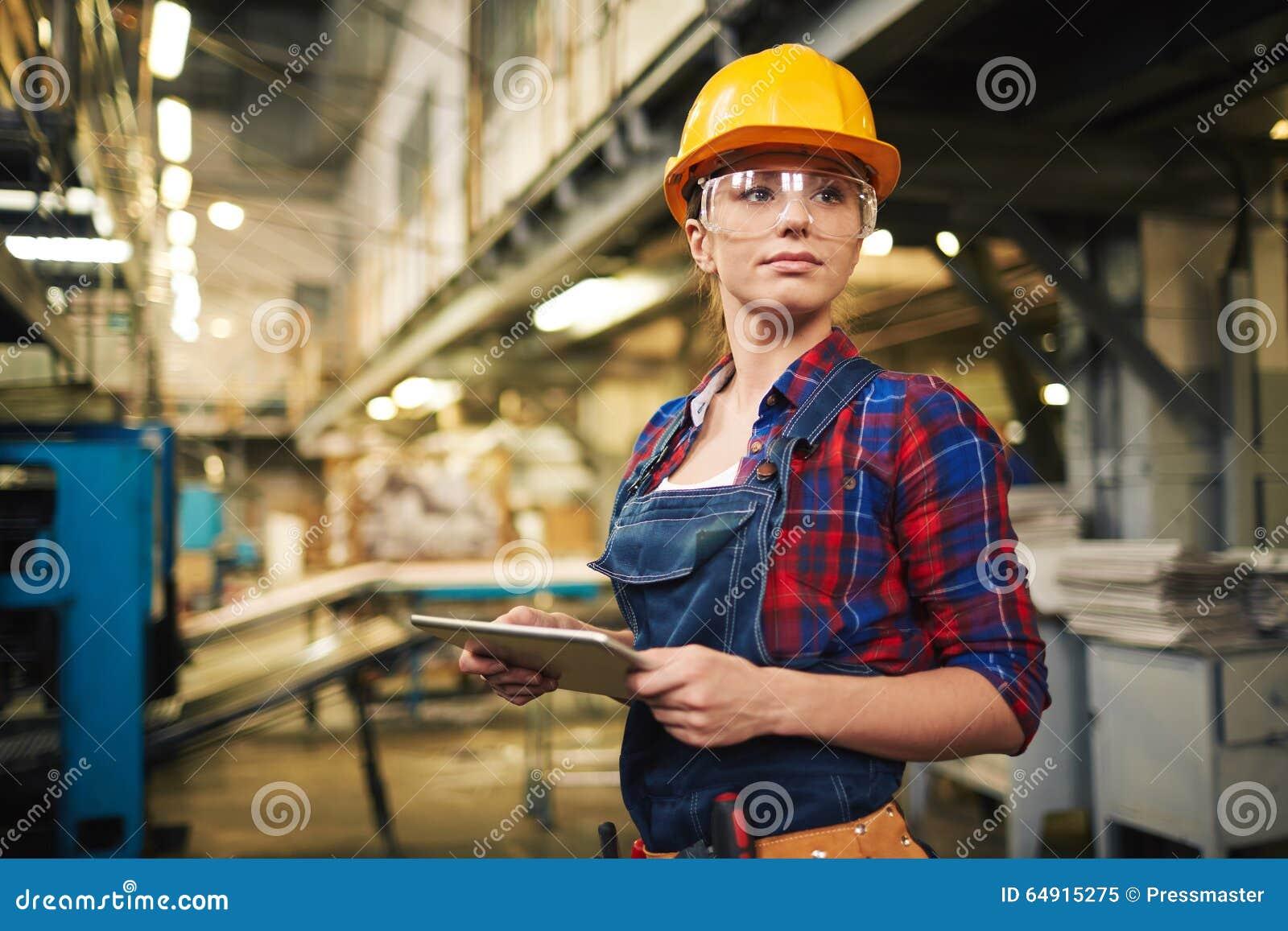 Kvinnlig arbetare för fabrik
