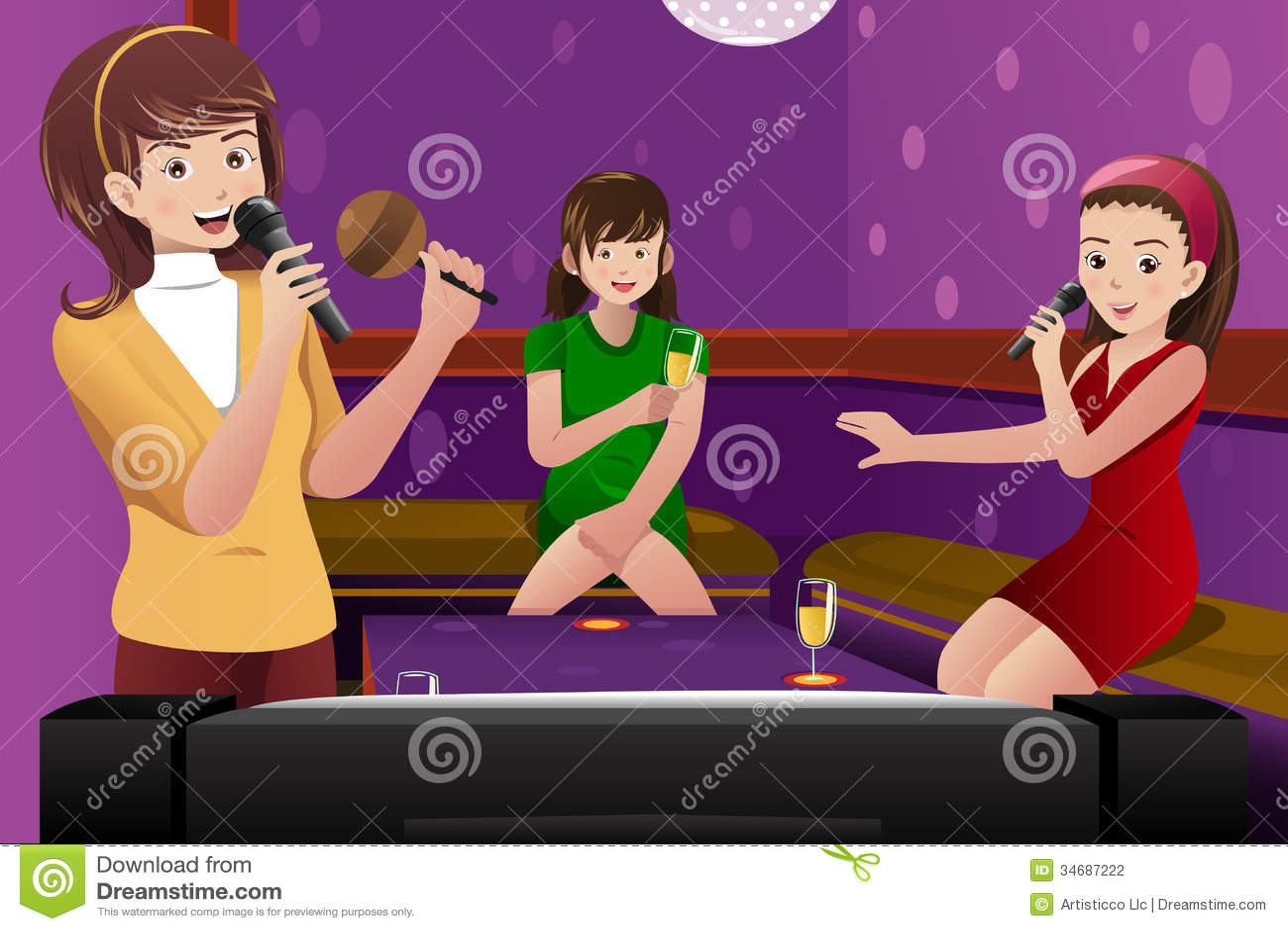 Kvinnliga vänner som sjunger karaoke