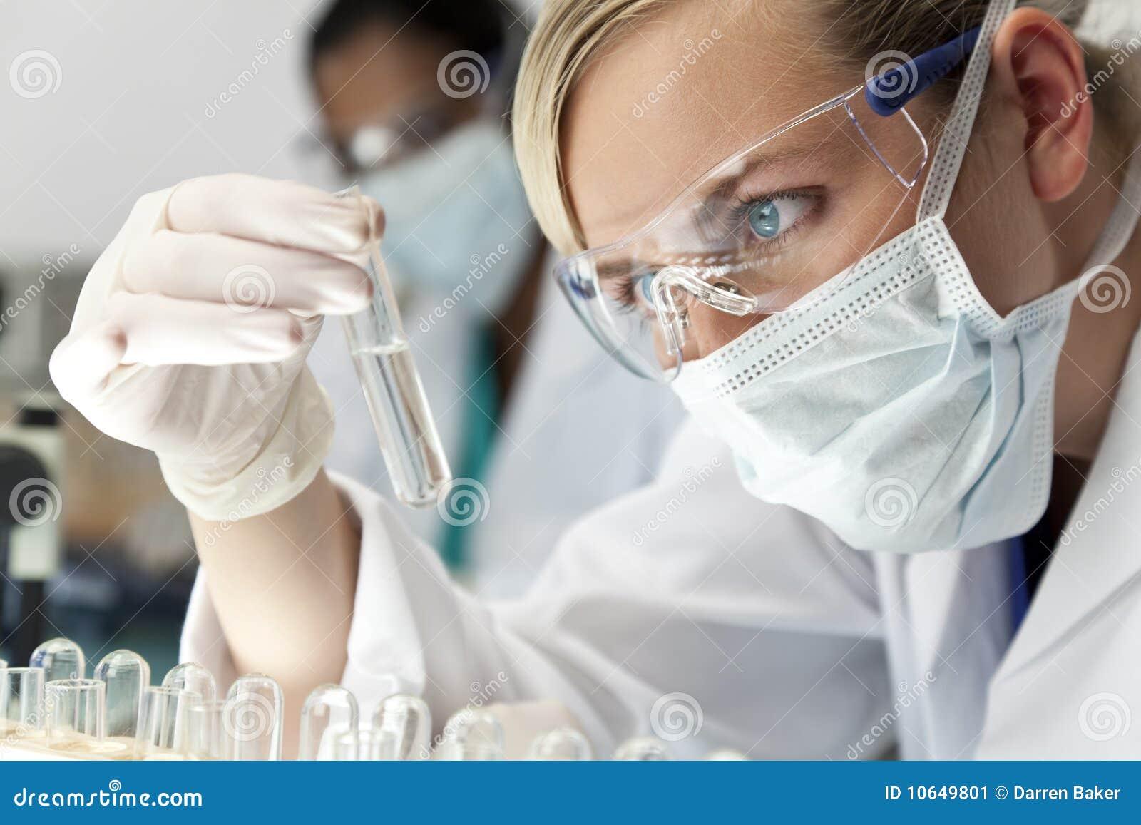 Kvinnliglaboratoriumforskare
