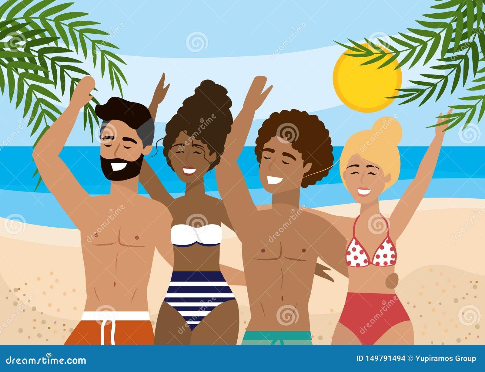 Kvinnor och män som bär baddräkten och badar kortslutningar i stranden