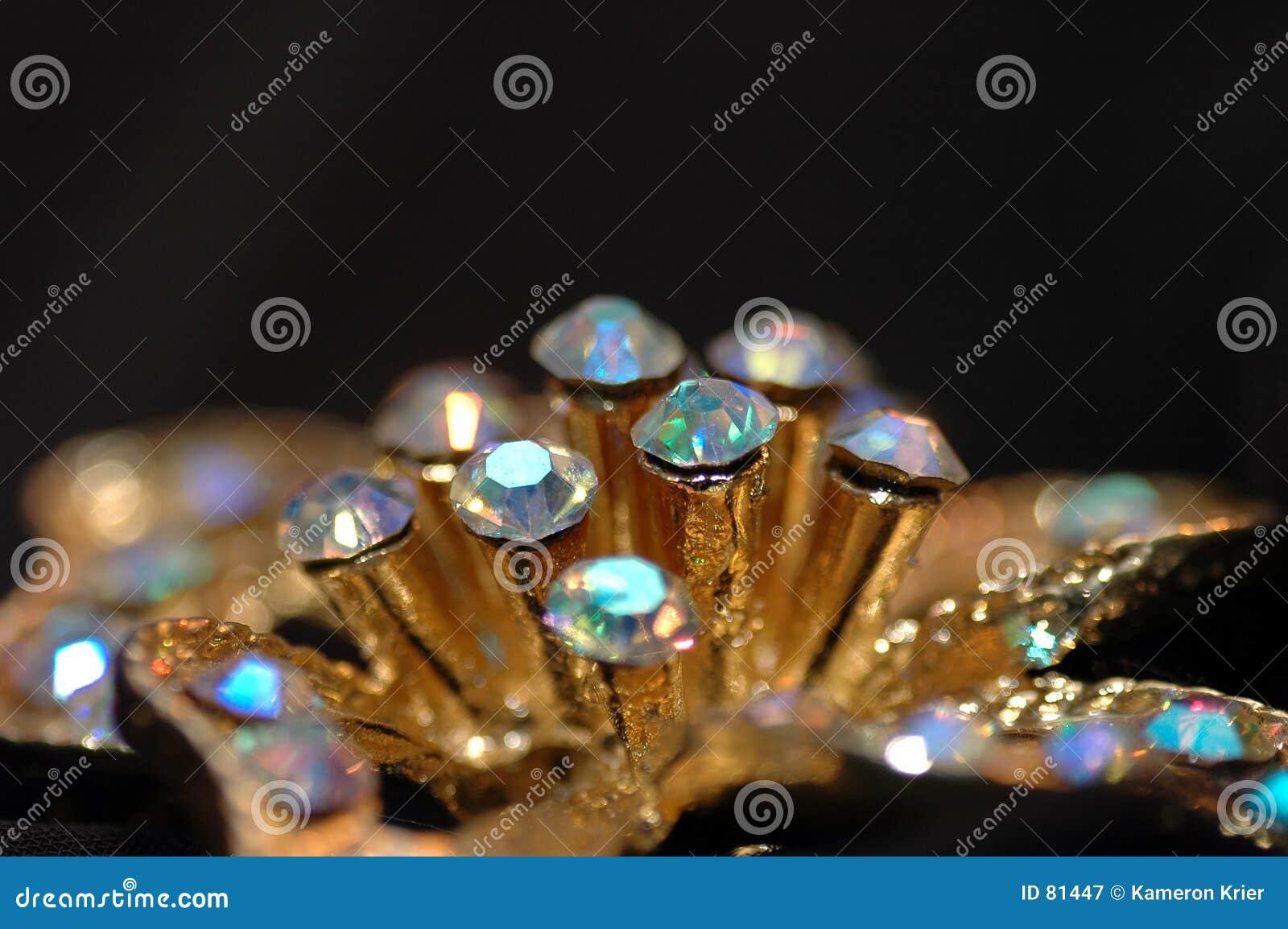 Kwiat diamentów szpilki