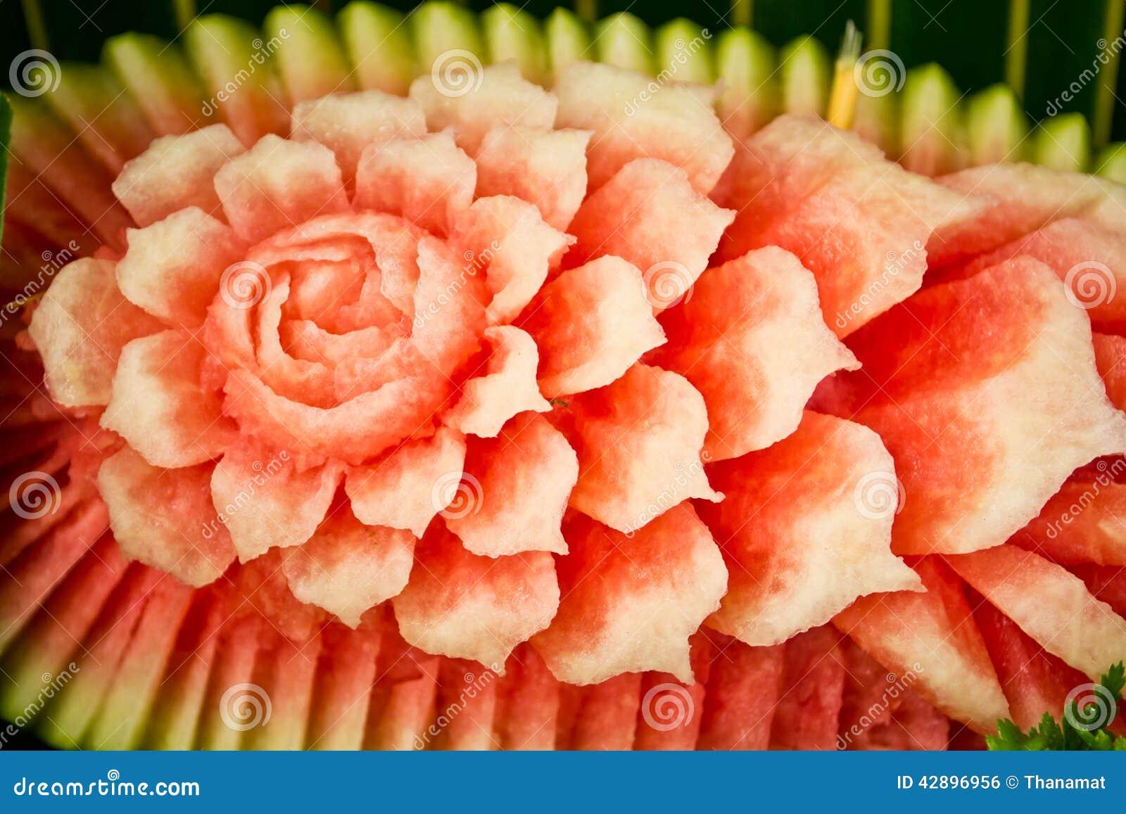 Kwiaty Rzeźbiący Od Arbuza Zdjęcie Stock Obraz Złożonej Z