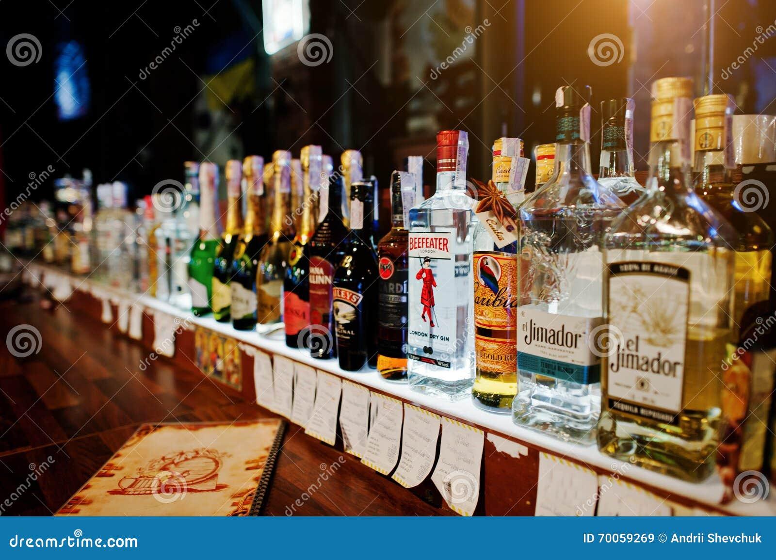 Slavyanova trattamento di Sofya Andreevna di risposte di alcolismo