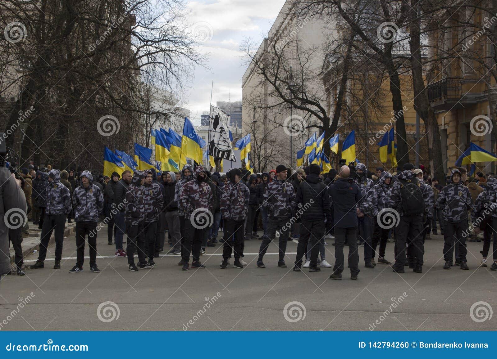 Kyiv Ukraina - 23 Marzec 2019: polityczny protest przeciw rzędowi w centre kapitał Ukraina
