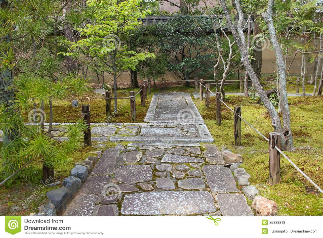 Buddhist Ceremony Traditional Japanese Garden: Kyoto Japanese Garden Royalty Free Stock Photos