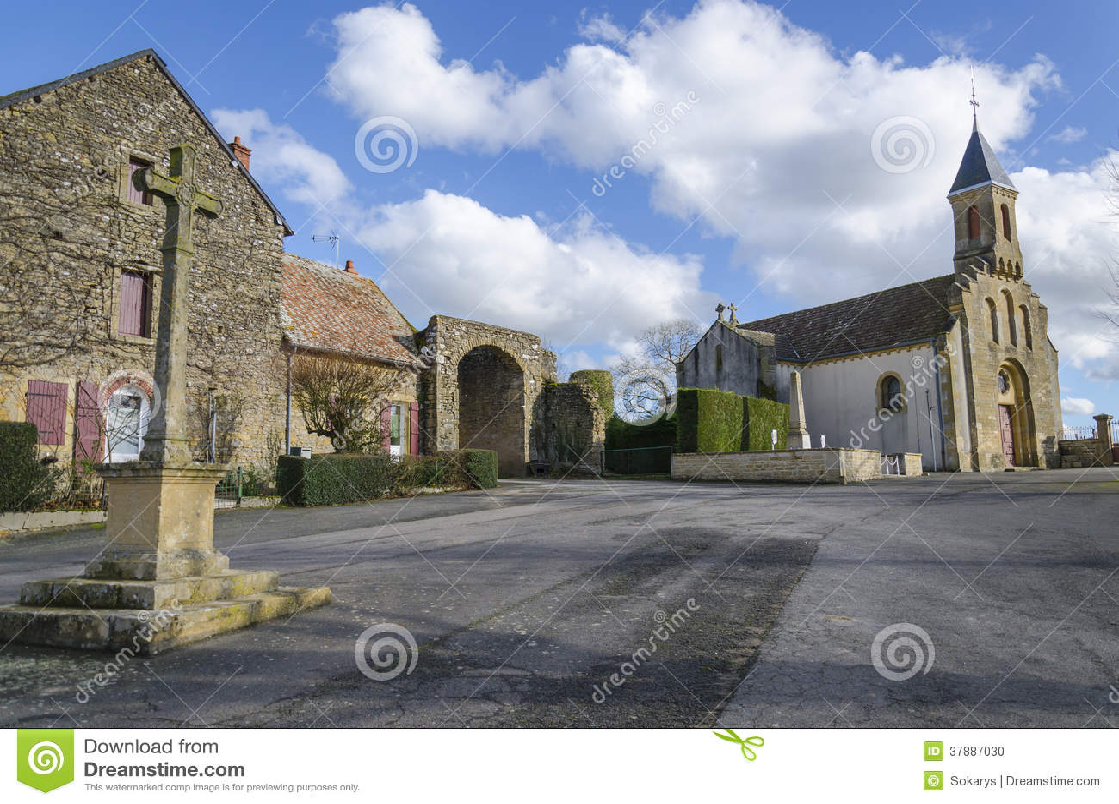 Kyrka av Cléssy, burgundy, Frankrike