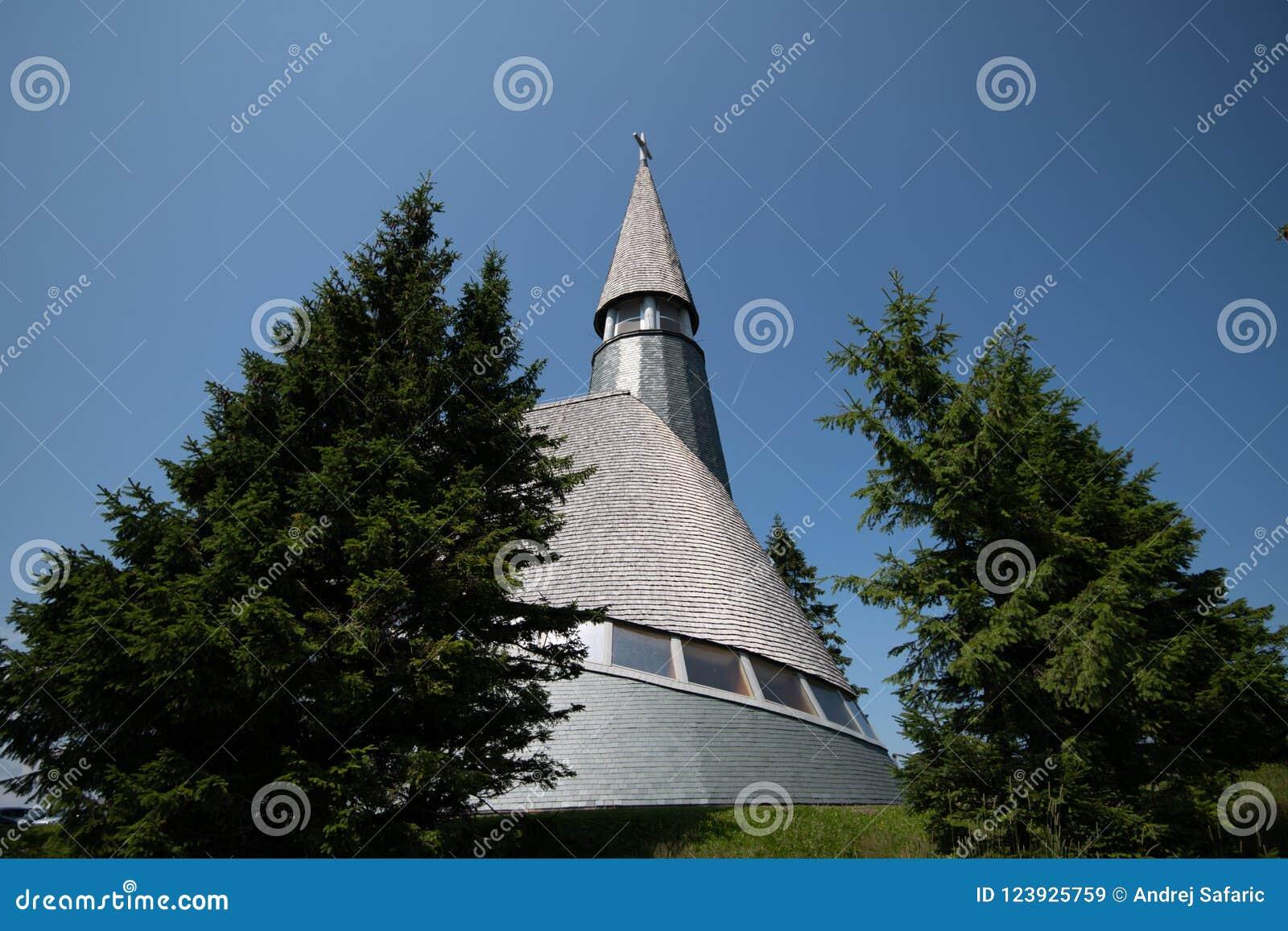 Kyrkan av Jesus Christ på Rogla skidar semesterorten Pohorje Slovenien, Europa