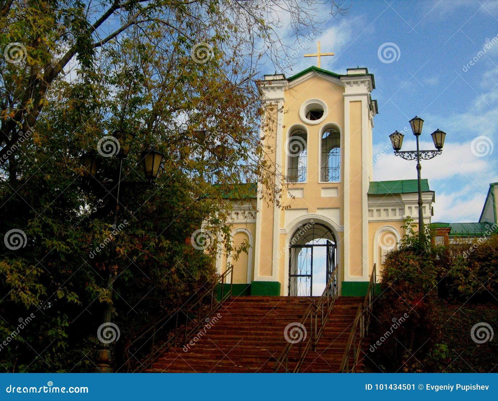 Kyrkan i den Siberian staden av Tomsk