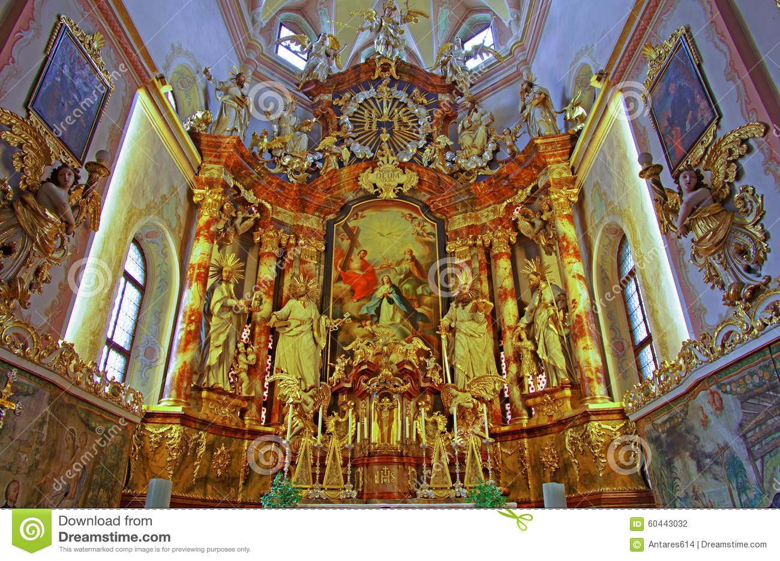 Kyrklig interior