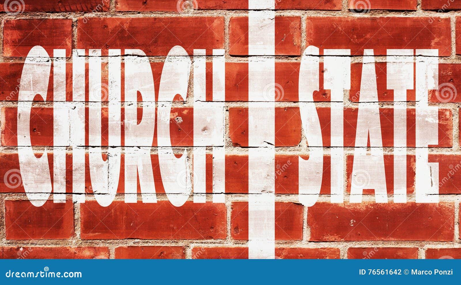Kyrklig statlig vägg av avskiljandet På en tegelstenvägg