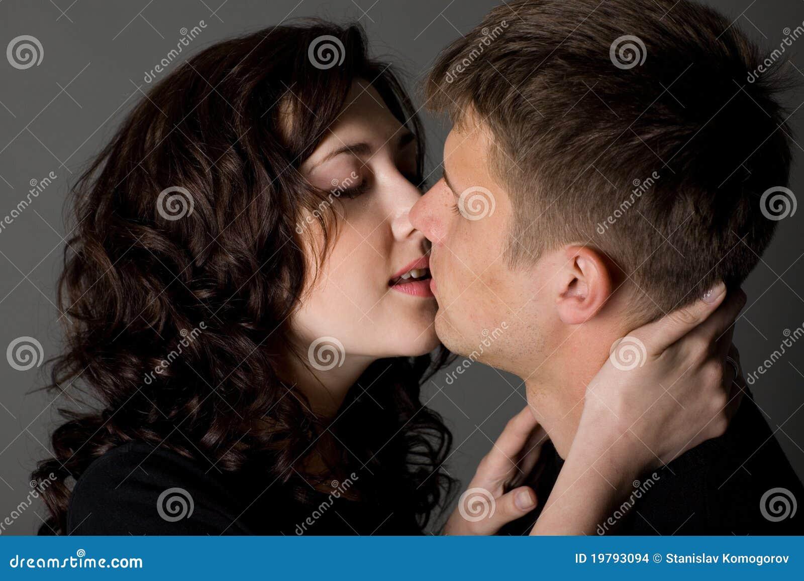 Kyssa för pojkeflicka